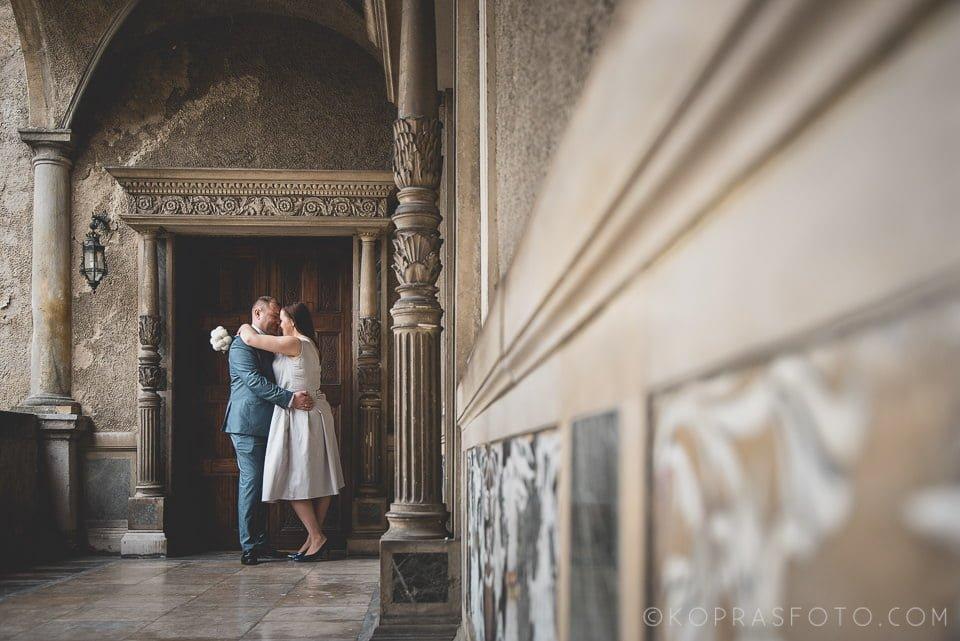 Sesja ślubna w Zamku w Gołuchowie - Krzysia i Przemek 15