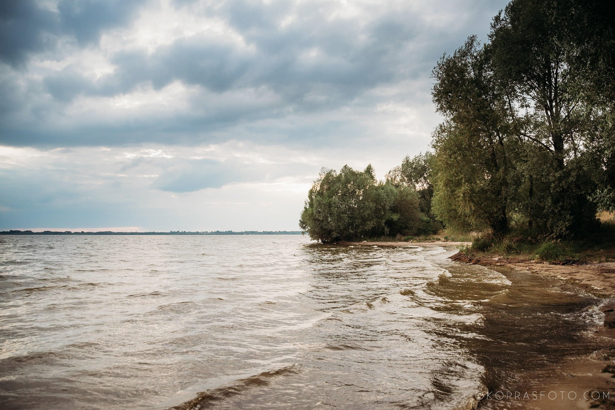 Ewa i Konrad - sesja narzeczeńska nad jeziorem 1