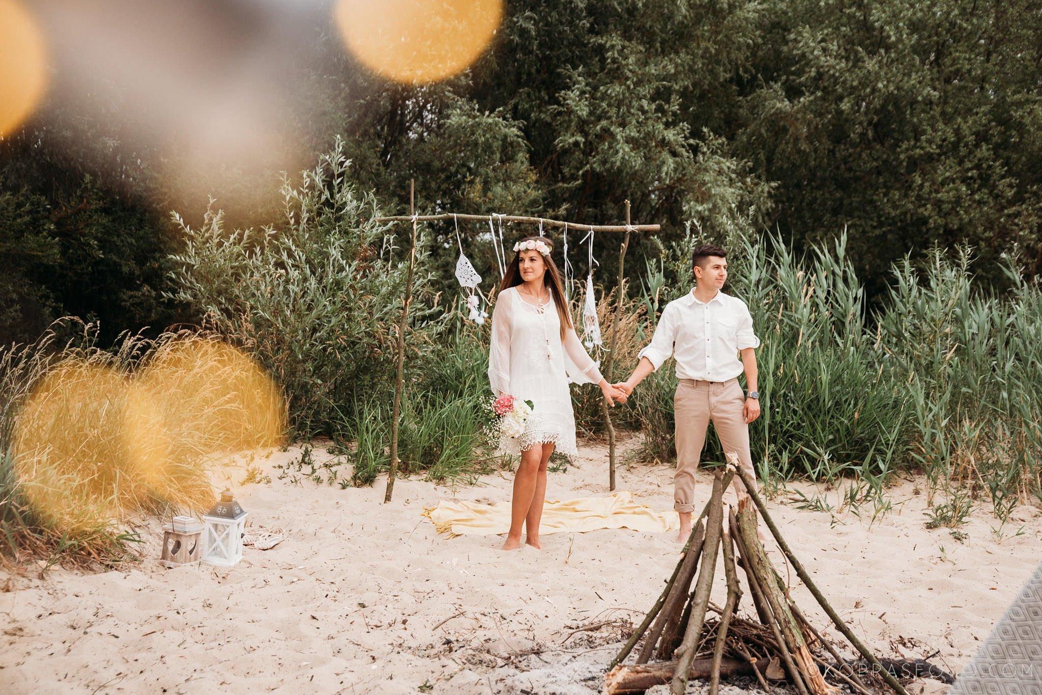 Ewa i Konrad - sesja narzeczeńska nad jeziorem 38