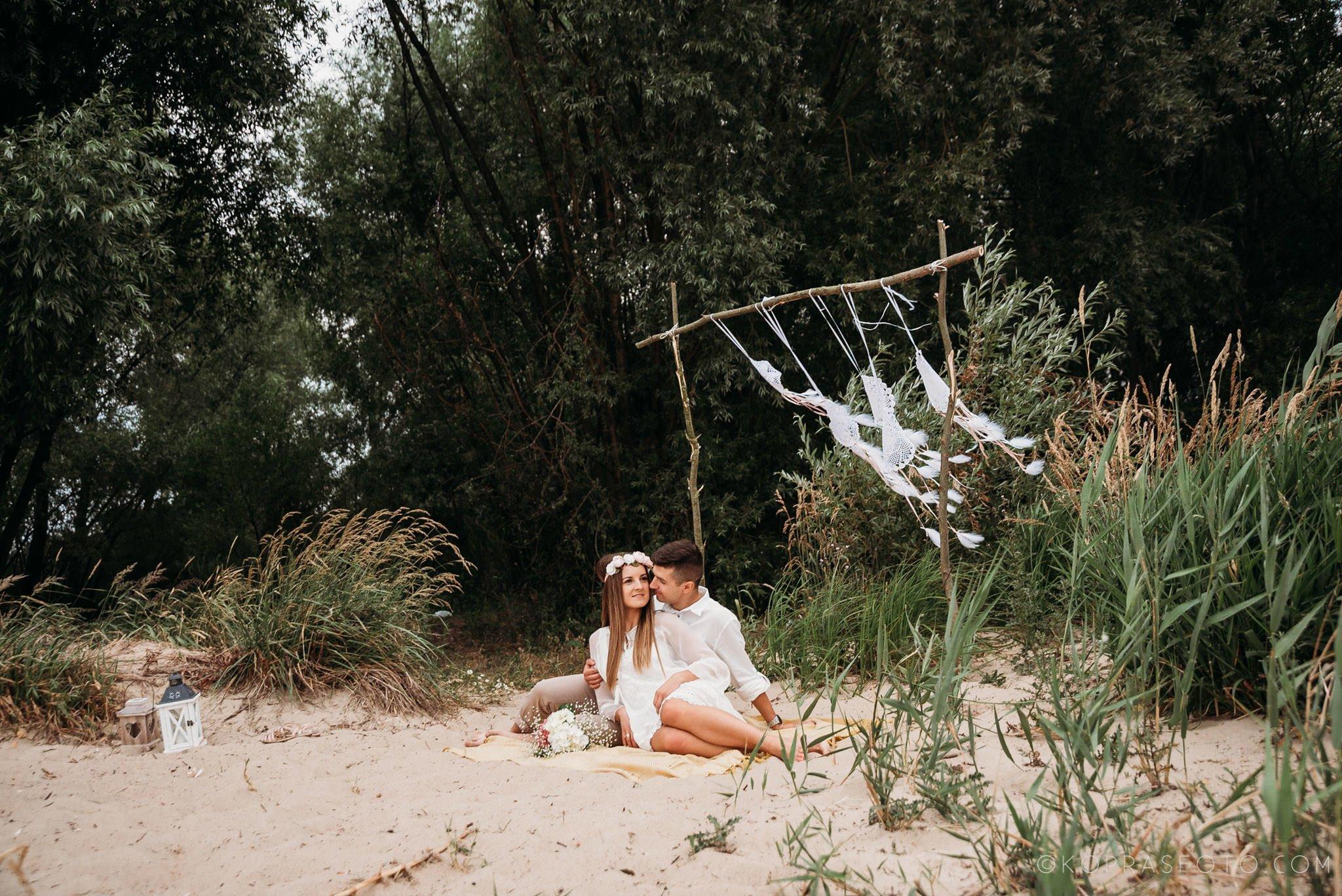 Ewa i Konrad - sesja narzeczeńska nad jeziorem 48