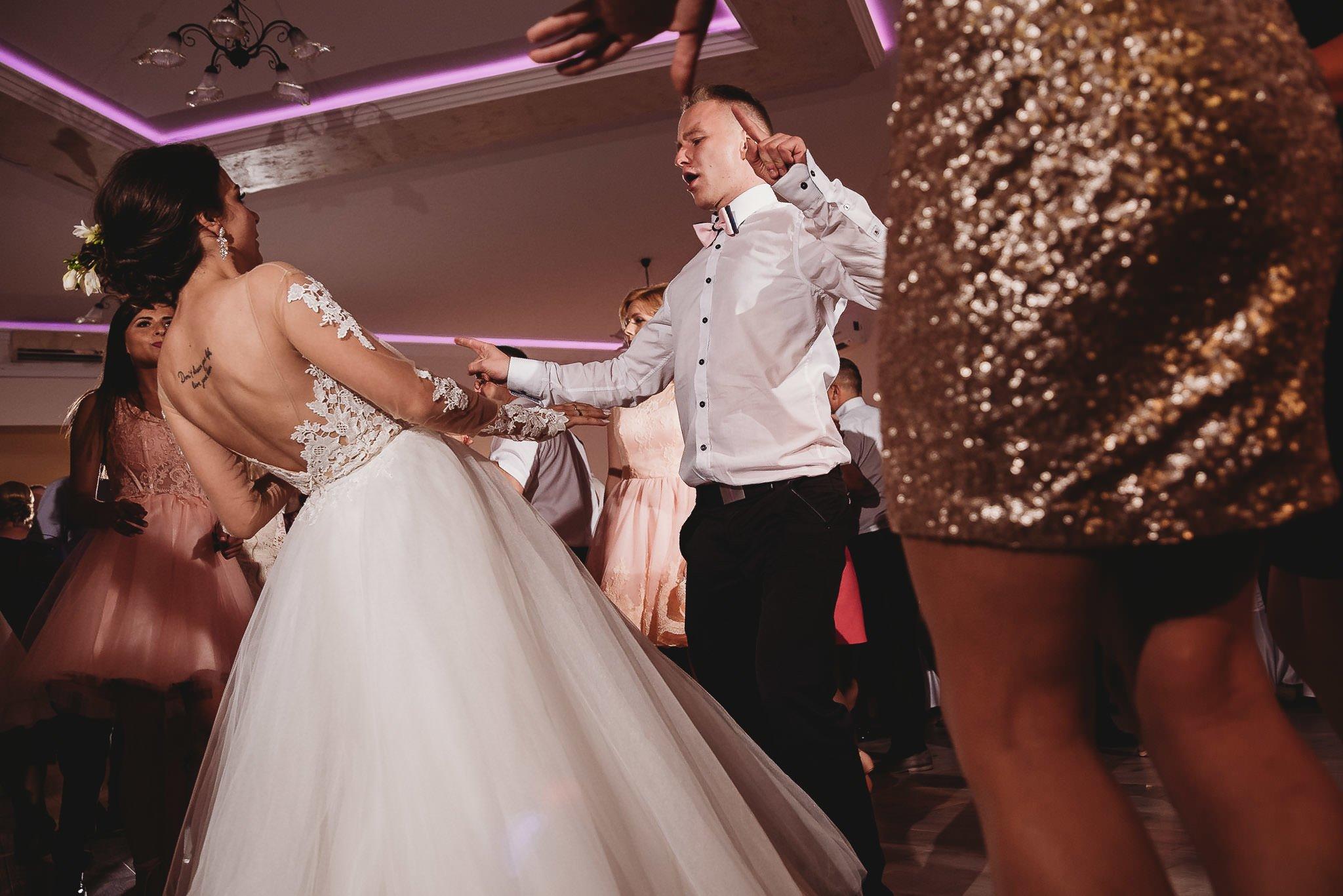 Angelika i Michał, piękne zdjęcia ślubne i sesja plenerowa w Gołuchowie 196