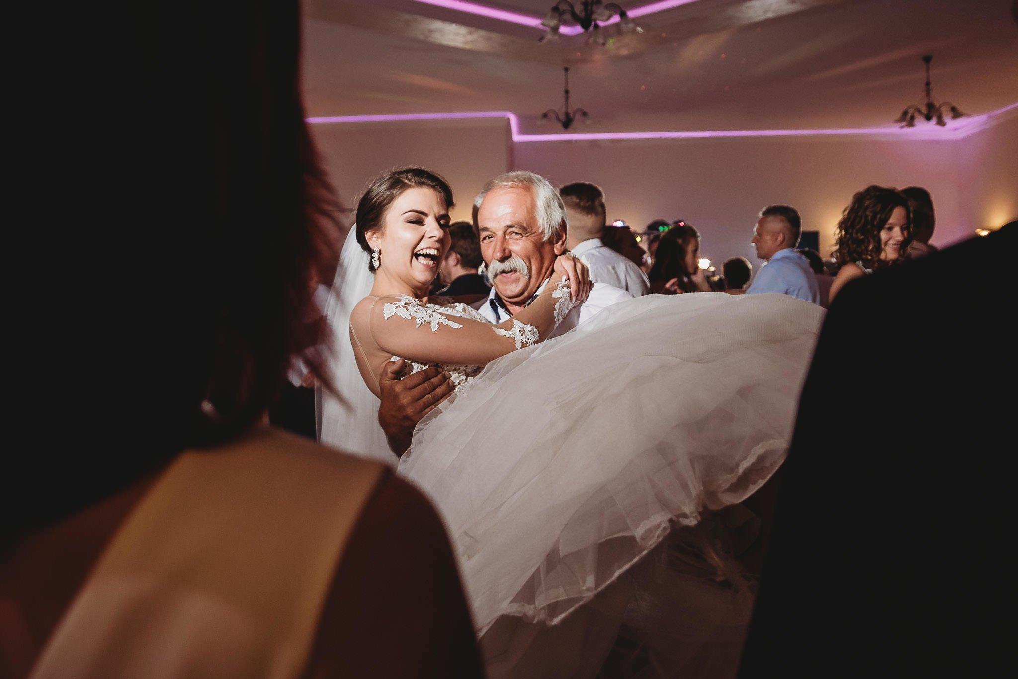 Angelika i Michał, piękne zdjęcia ślubne i sesja plenerowa w Gołuchowie 204