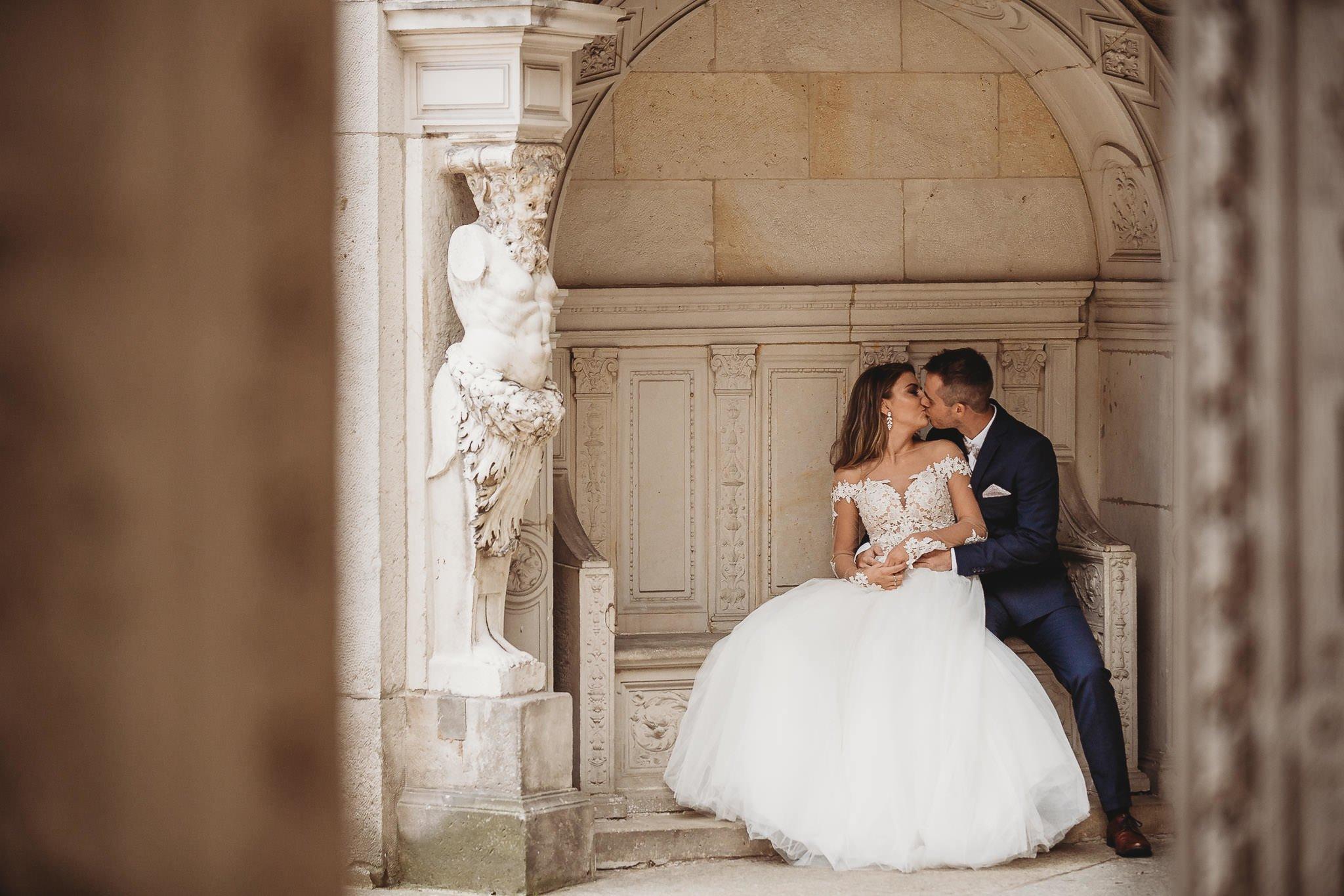 zamek Gołuchów, sesja plenerowa, pałac w Gołuchowie,sesja zamkowa, muzeum w Gołuchowie, zamek Czrtoryskich, romantyczna sesja w zamku, piękne zdjęcia, piękne fotografie, fotografia ślubna koło,