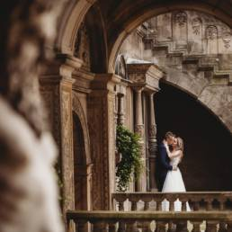 zamek Gołuchów, sesja plenerowa, pałac w Gołuchowie,sesja zamkowa, muzeum w Gołuchowie, zamek Czrtoryskich, romantyczna sesja w zamku, piękne zdjęcia, piękne fotografie,