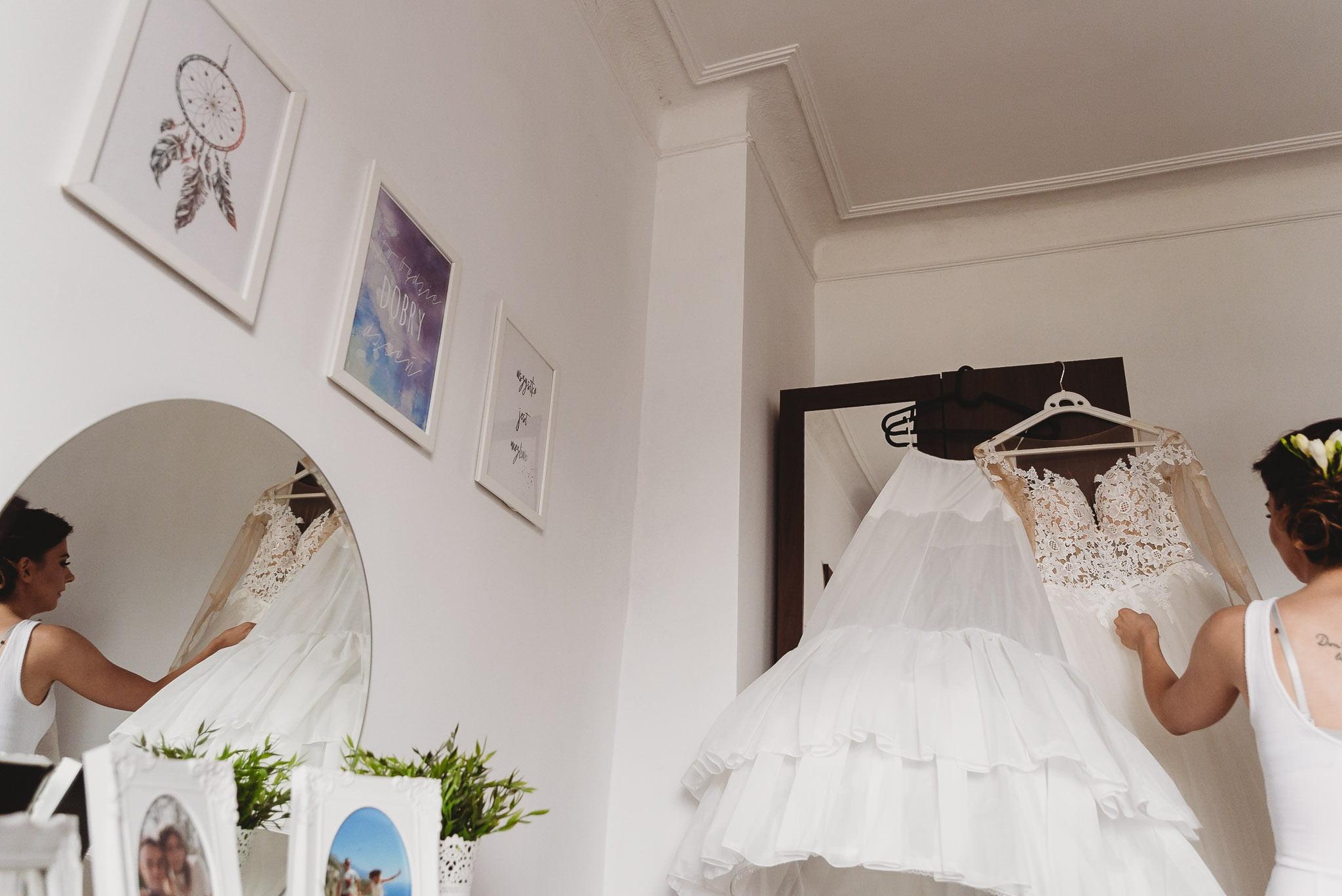 Angelika i Michał, piękne zdjęcia ślubne i sesja plenerowa w Gołuchowie 38