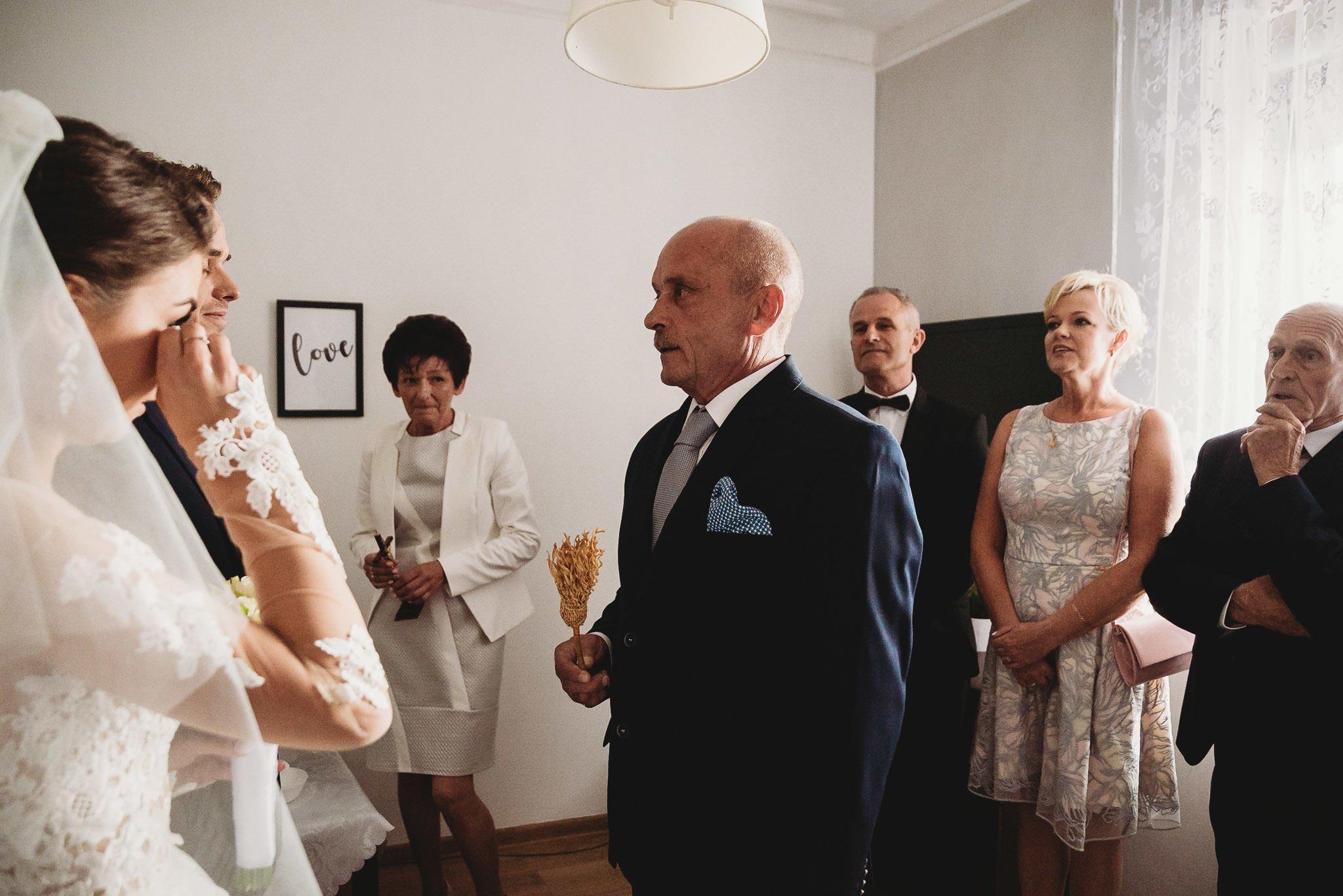 Angelika i Michał, piękne zdjęcia ślubne i sesja plenerowa w Gołuchowie 70
