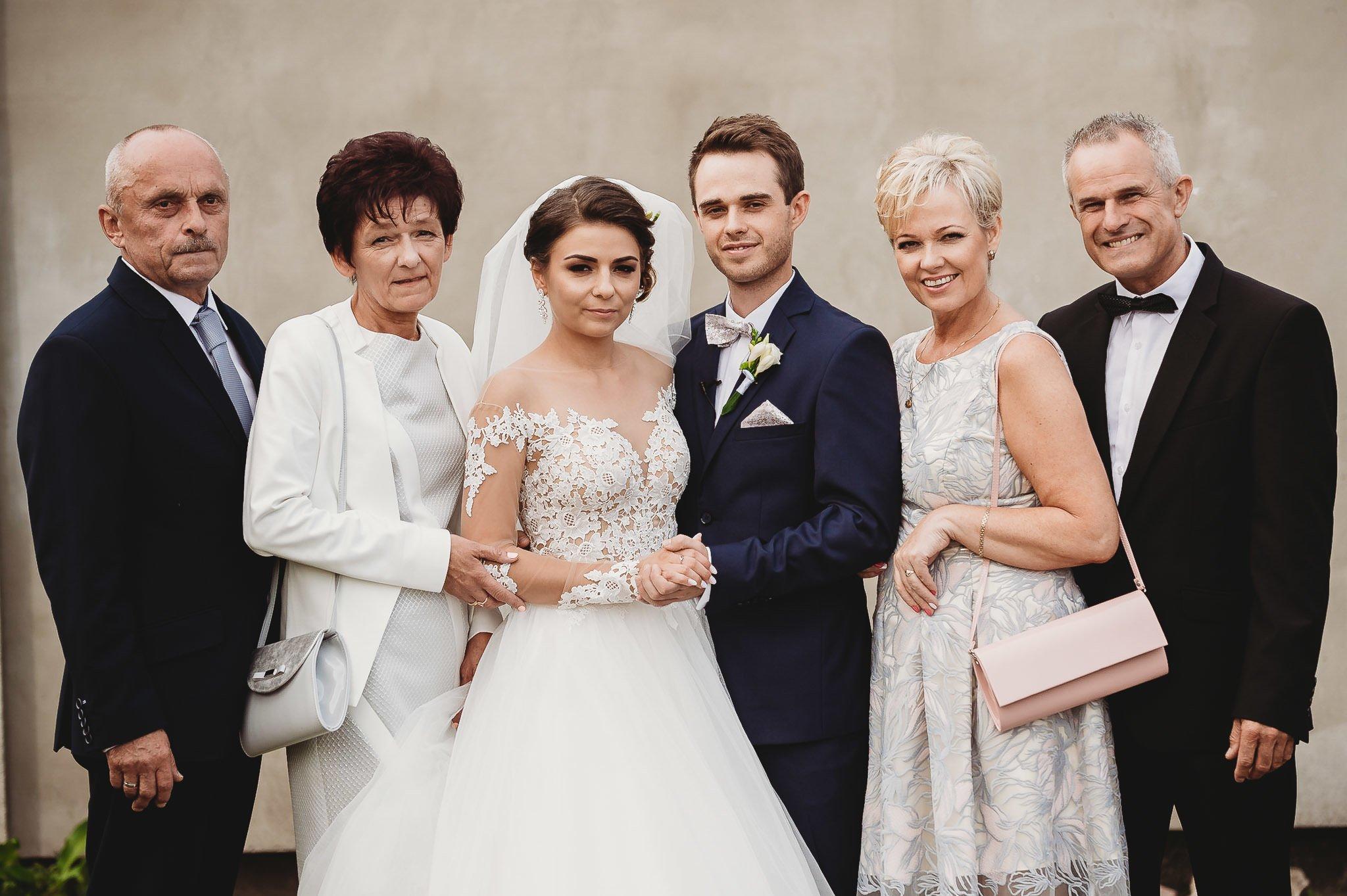 Angelika i Michał, piękne zdjęcia ślubne i sesja plenerowa w Gołuchowie 78
