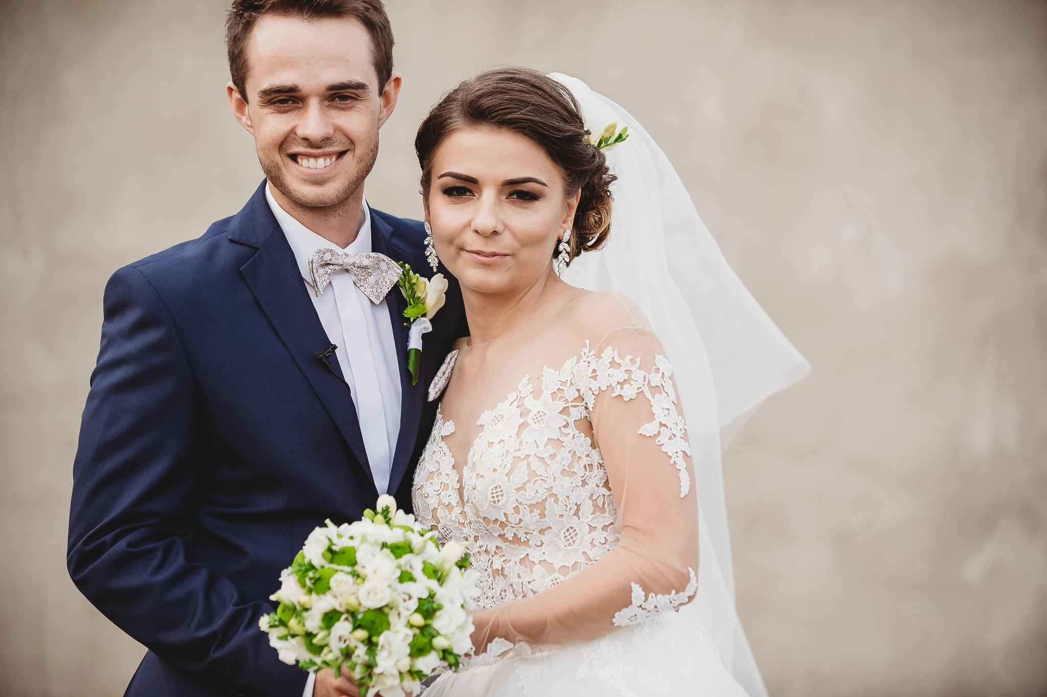 Angelika i Michał, piękne zdjęcia ślubne i sesja plenerowa w Gołuchowie 82