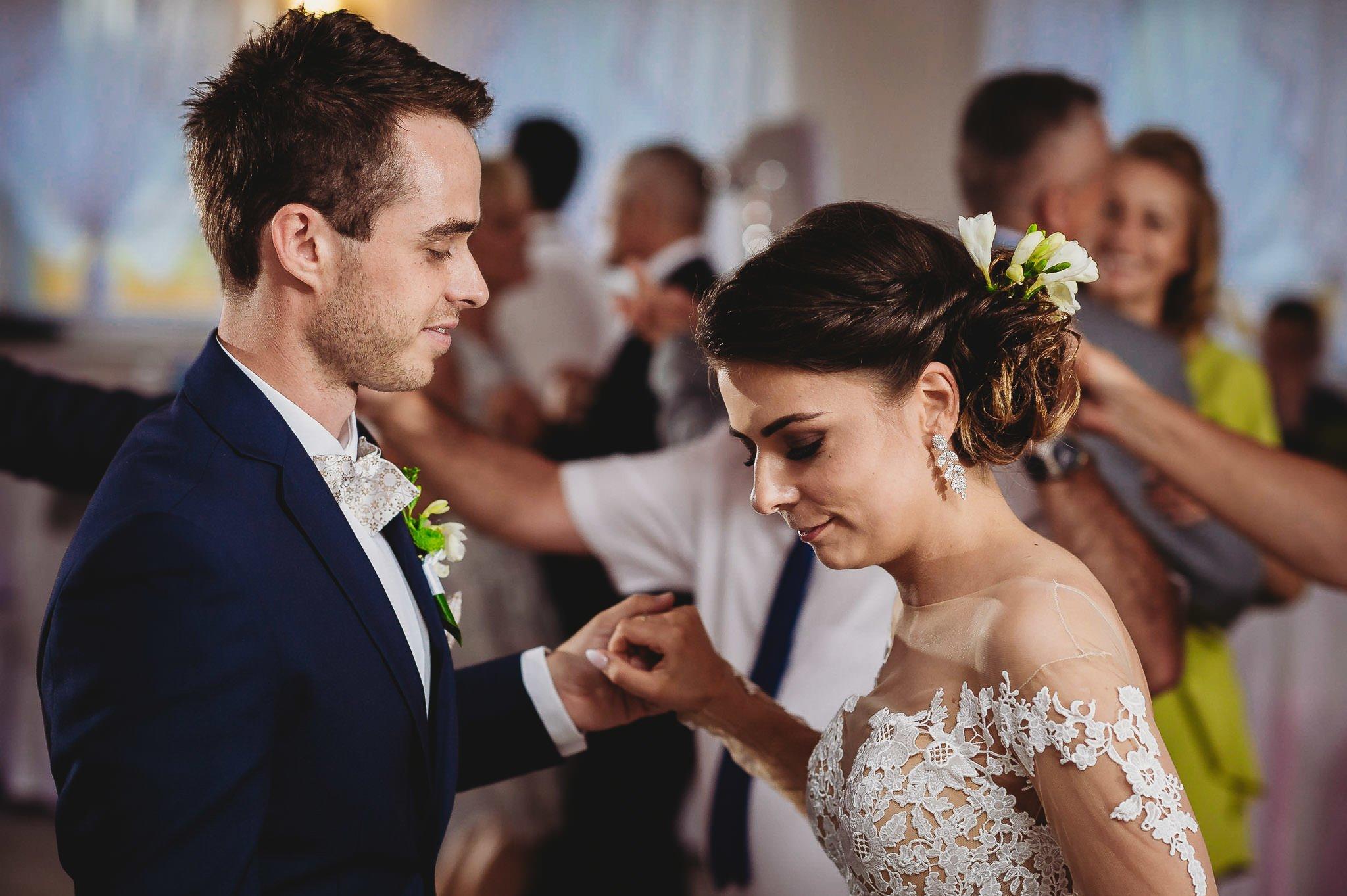 Angelika i Michał, piękne zdjęcia ślubne i sesja plenerowa w Gołuchowie 160