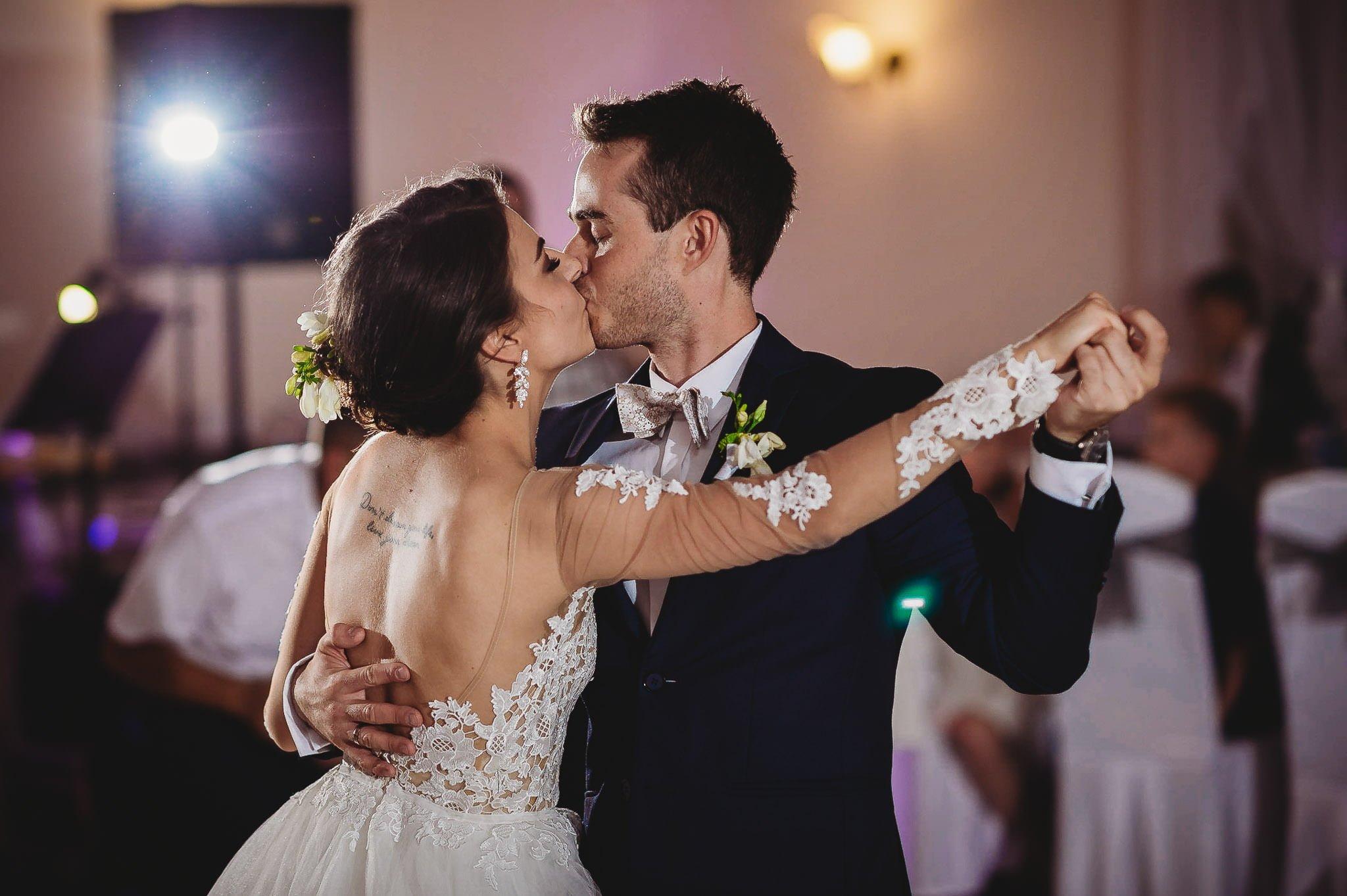 Angelika i Michał, piękne zdjęcia ślubne i sesja plenerowa w Gołuchowie 172