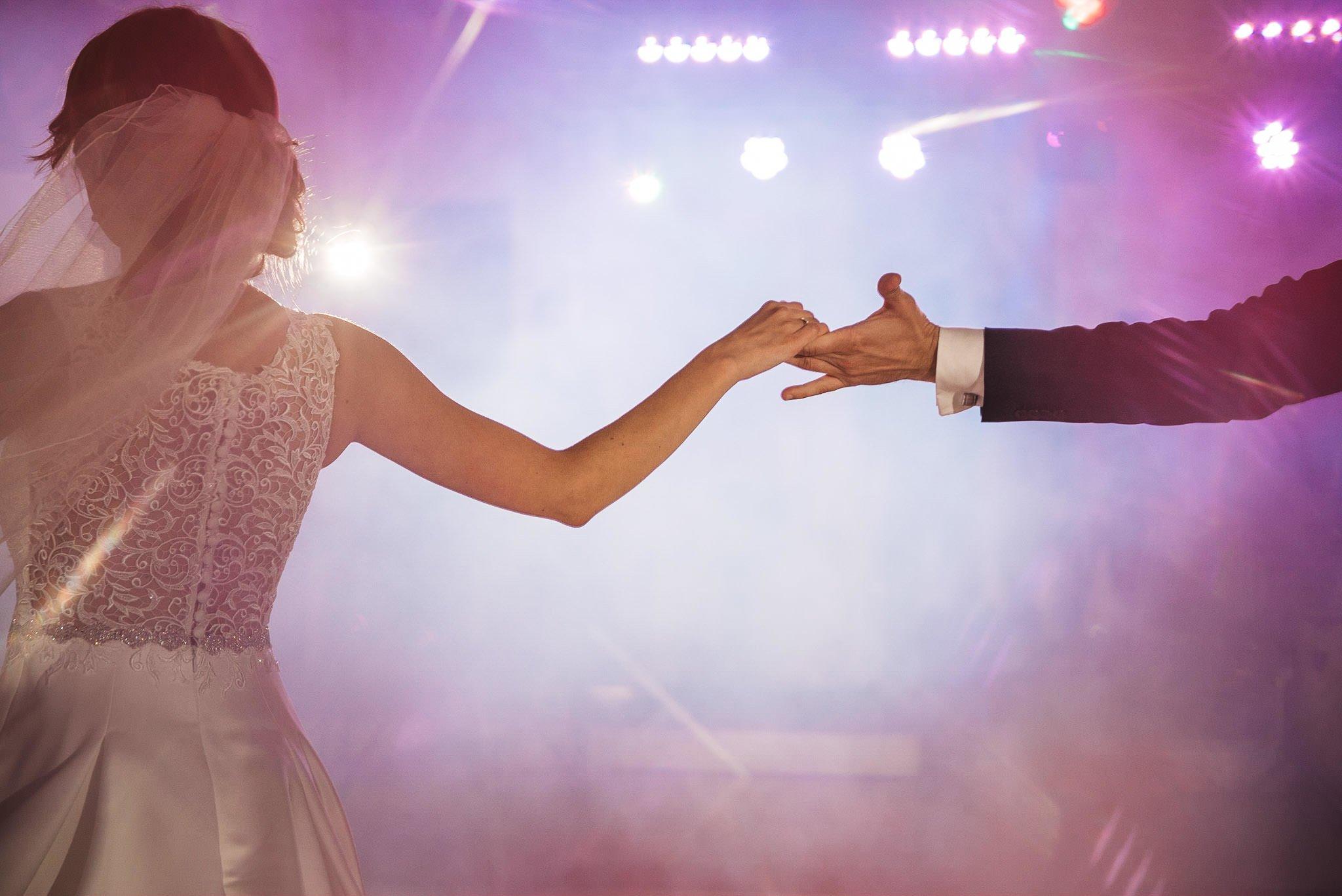 Monika i Michał, wesele w Paryżu i sesja plenerowa w stadninie koni w Czołowie 184