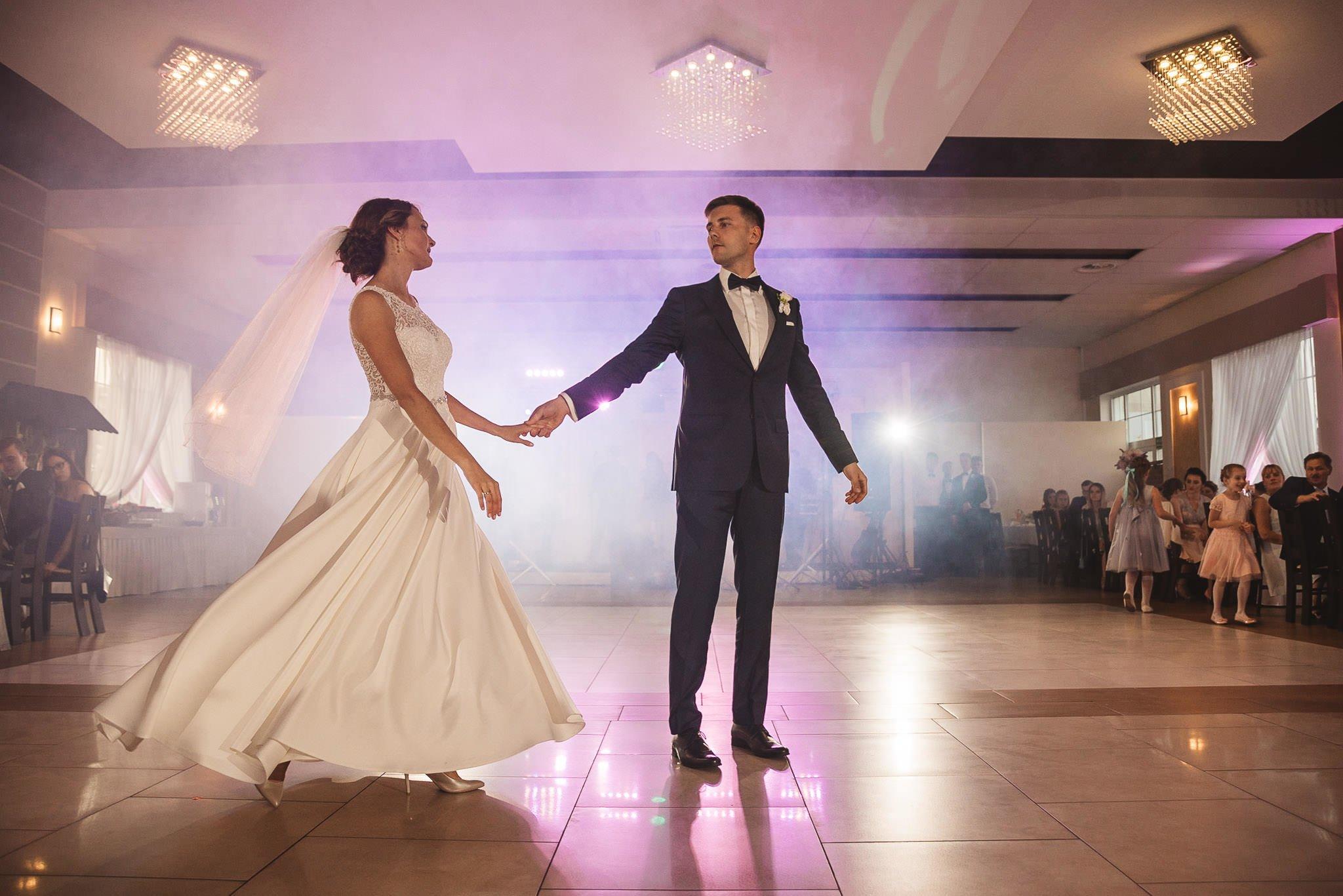 Monika i Michał, wesele w Paryżu i sesja plenerowa w stadninie koni w Czołowie 190