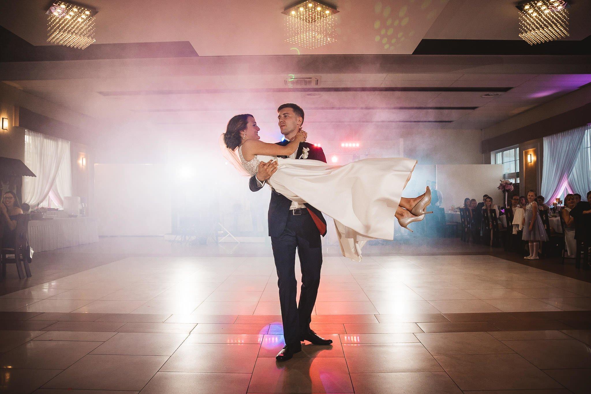 Monika i Michał, wesele w Paryżu i sesja plenerowa w stadninie koni w Czołowie 192