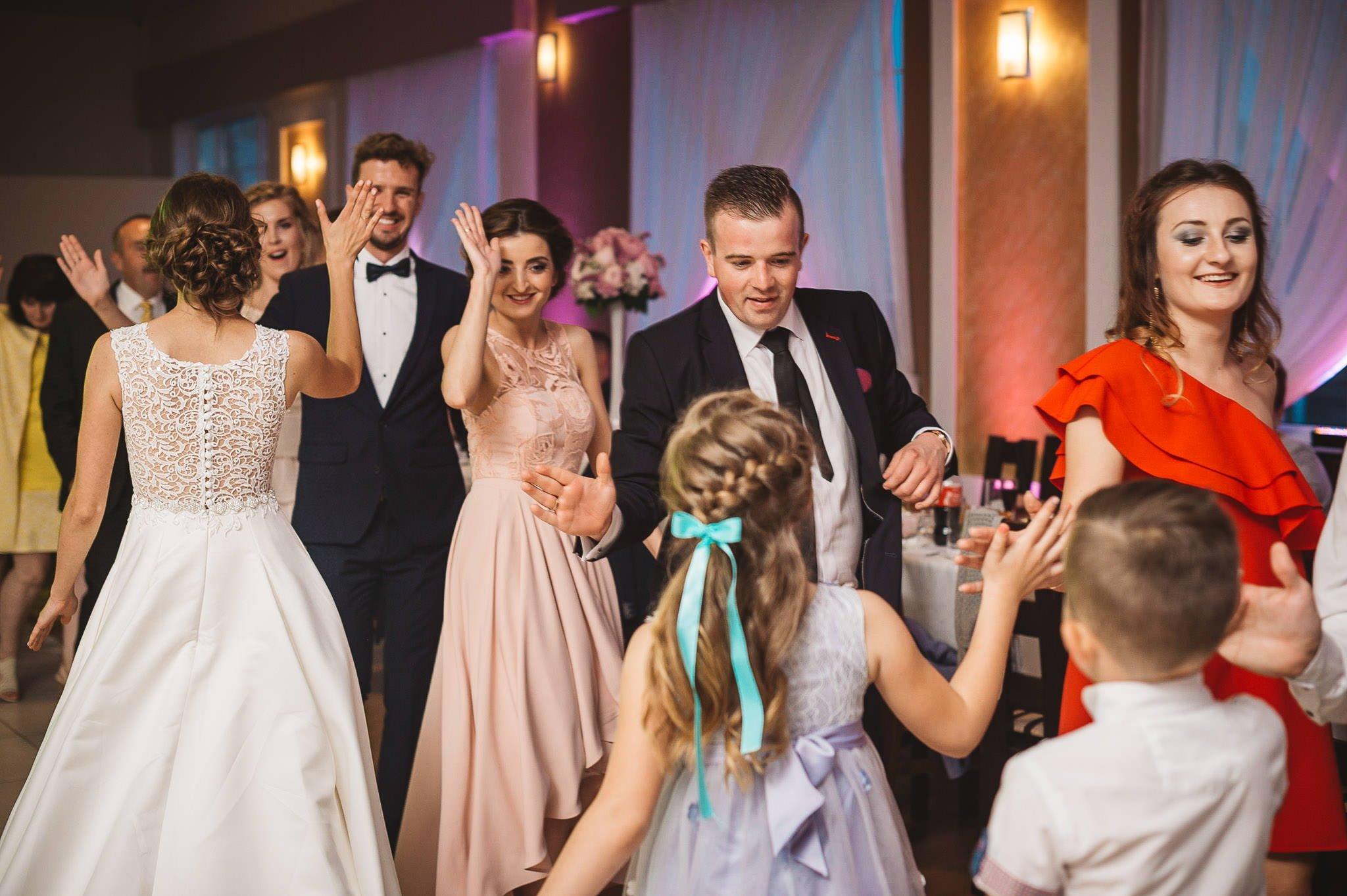 Monika i Michał, wesele w Paryżu i sesja plenerowa w stadninie koni w Czołowie 206
