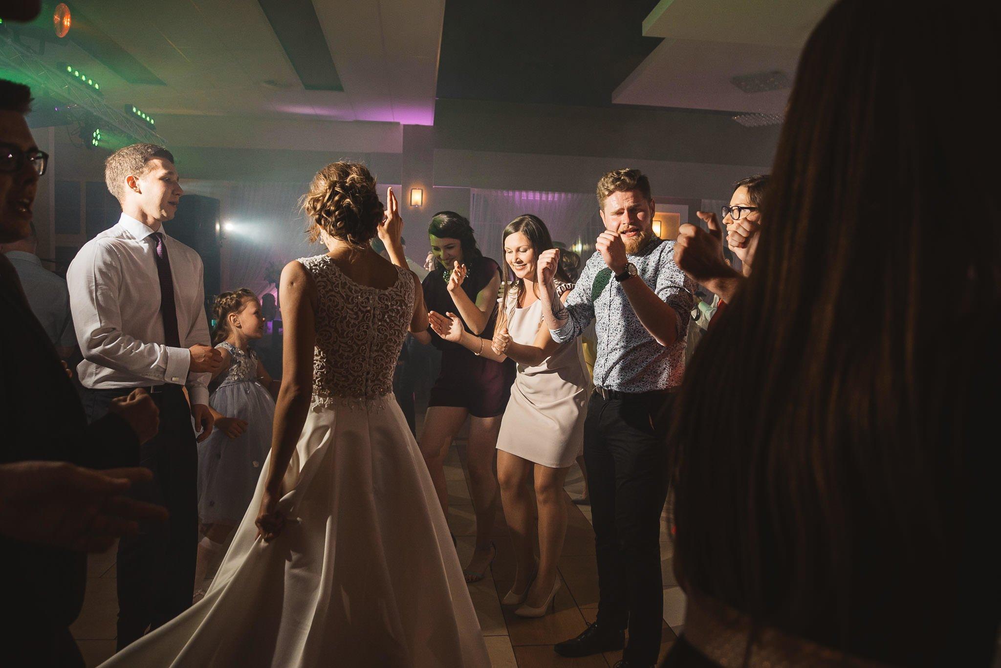 Monika i Michał, wesele w Paryżu i sesja plenerowa w stadninie koni w Czołowie 220