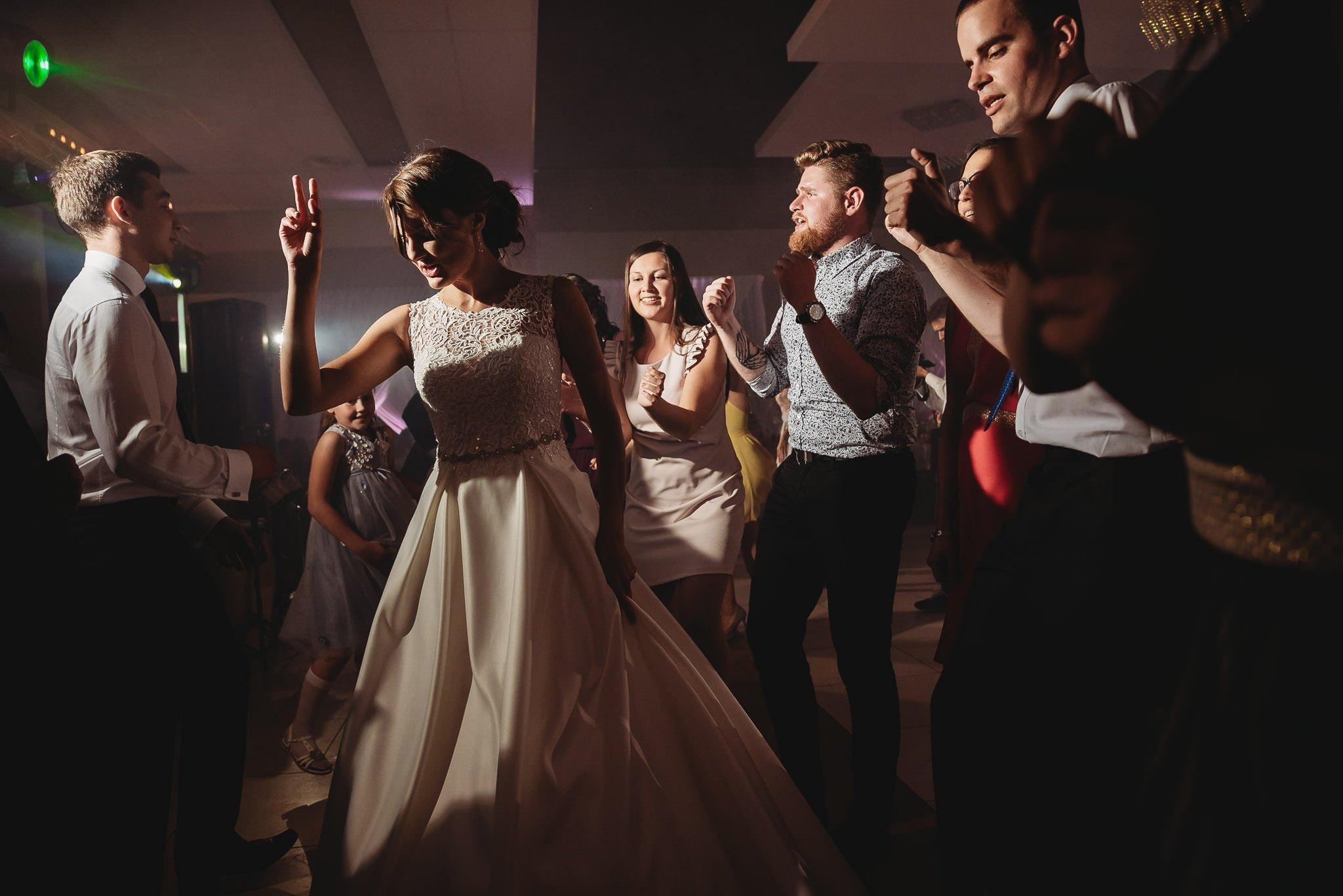 Monika i Michał, wesele w Paryżu i sesja plenerowa w stadninie koni w Czołowie 222