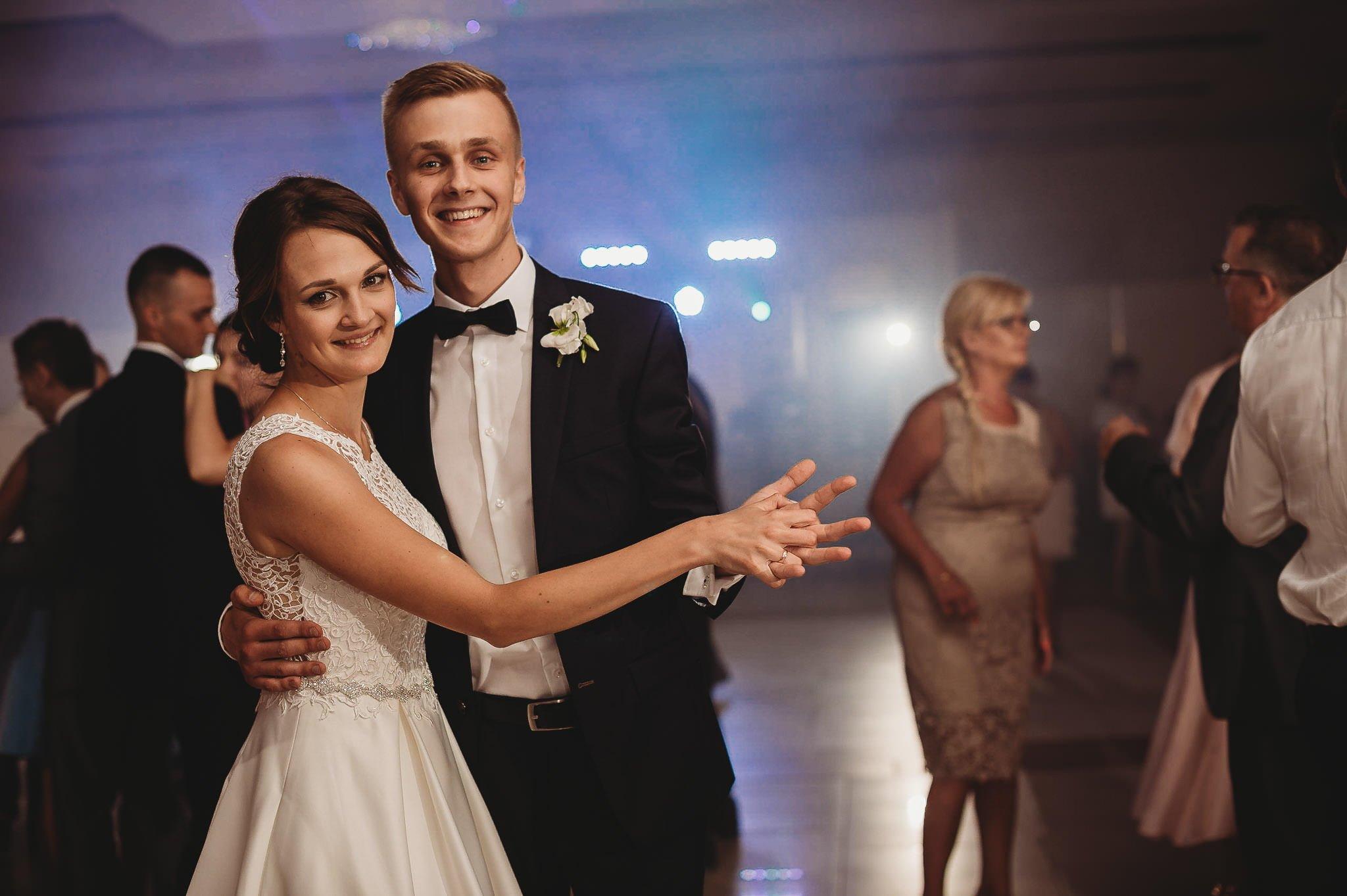 Monika i Michał, wesele w Paryżu i sesja plenerowa w stadninie koni w Czołowie 226