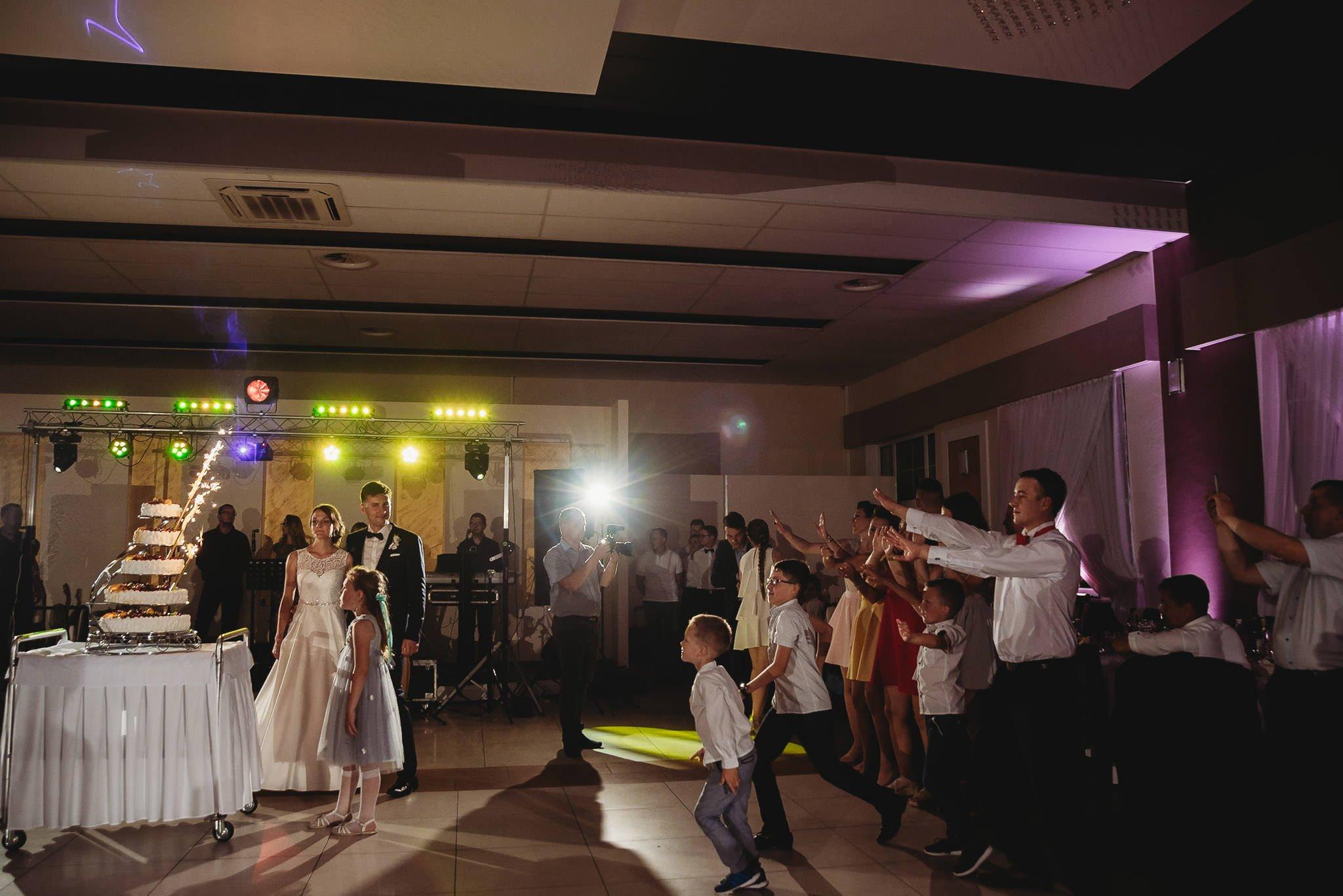 Monika i Michał, wesele w Paryżu i sesja plenerowa w stadninie koni w Czołowie 234