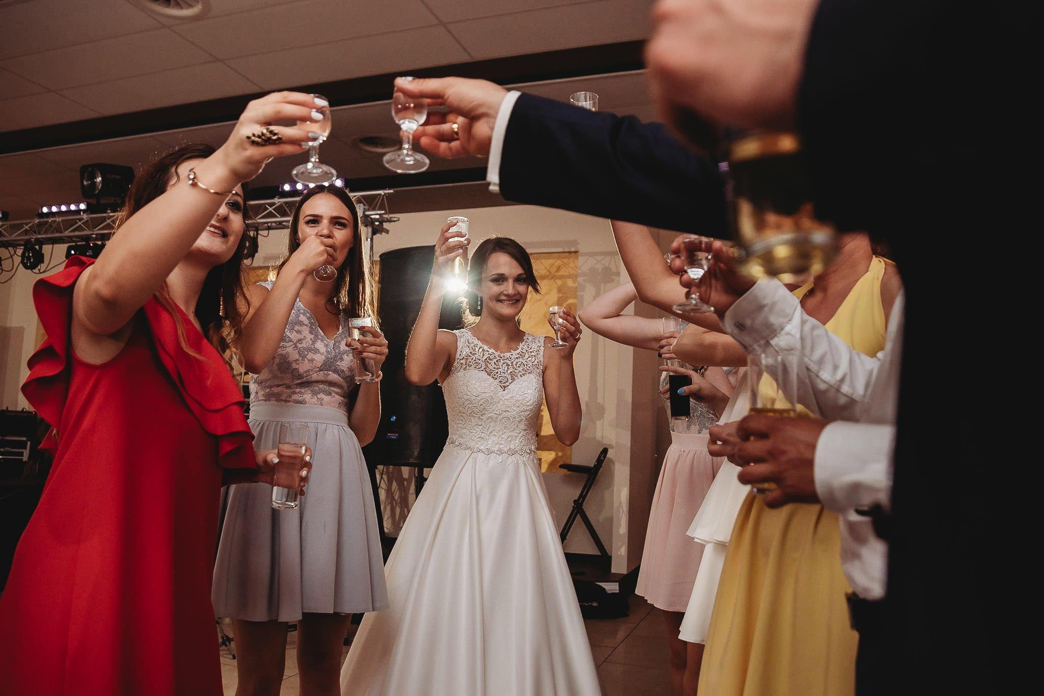 Monika i Michał, wesele w Paryżu i sesja plenerowa w stadninie koni w Czołowie 242