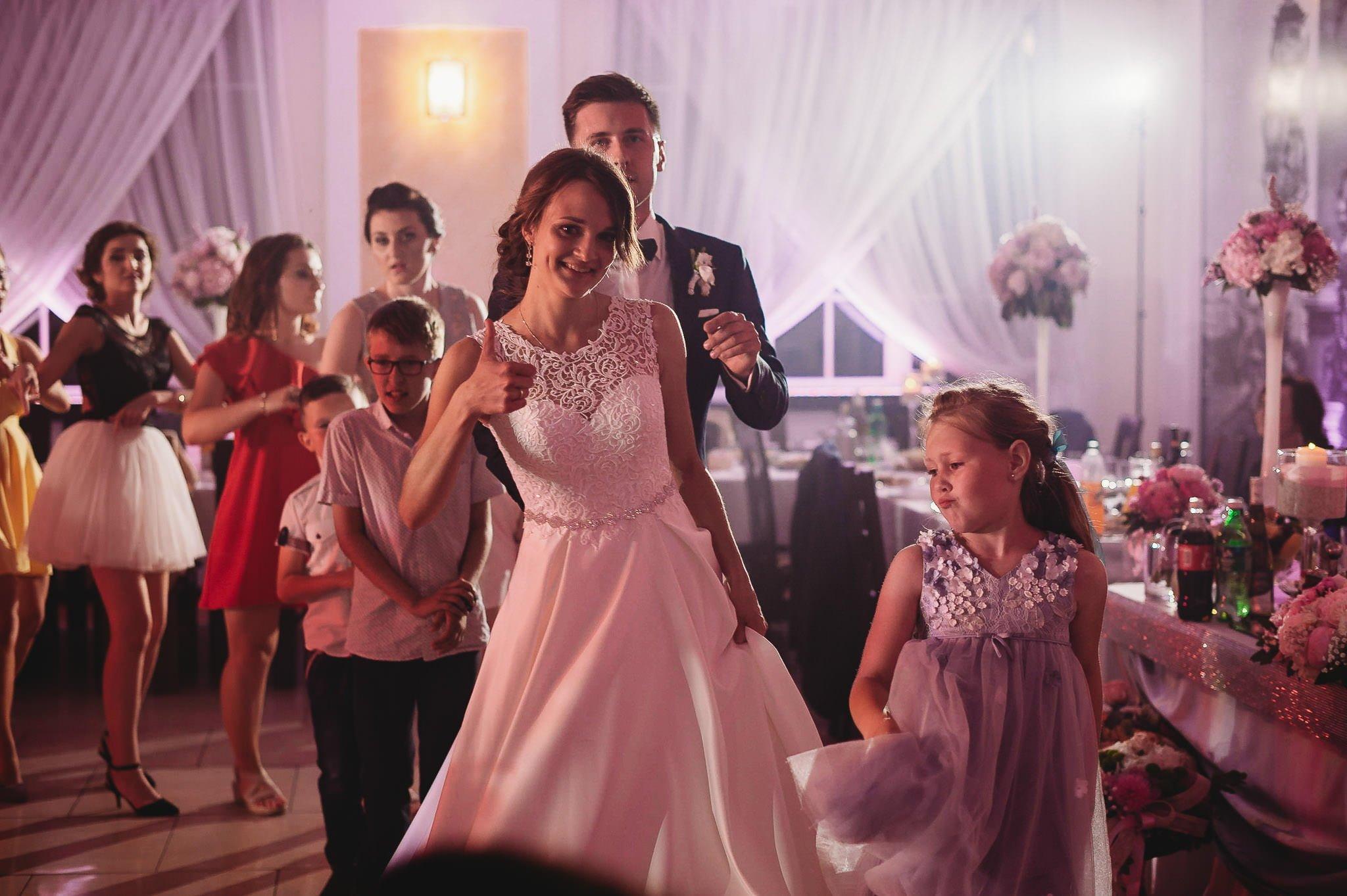 Monika i Michał, wesele w Paryżu i sesja plenerowa w stadninie koni w Czołowie 246