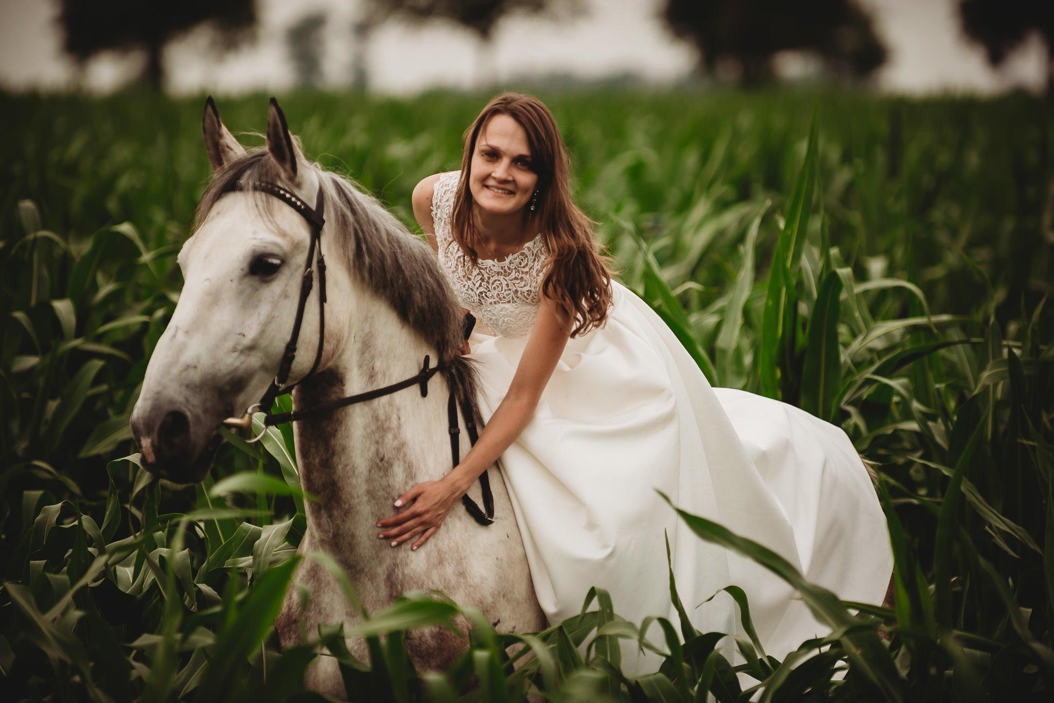 Monika i Michał, wesele w Paryżu i sesja plenerowa w stadninie koni w Czołowie 402