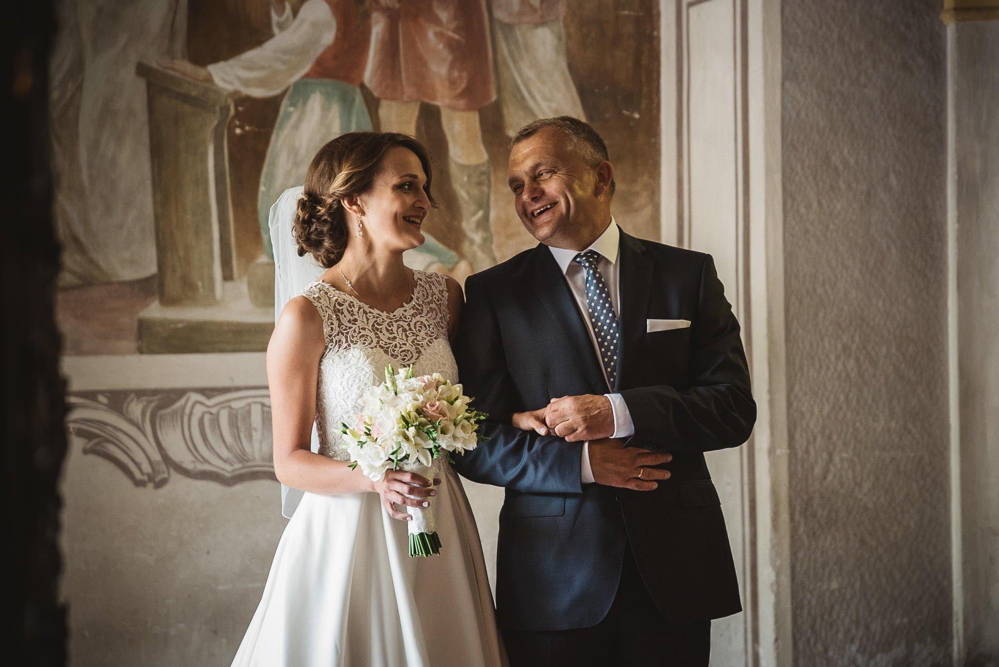 Monika i Michał, wesele w Paryżu i sesja plenerowa w stadninie koni w Czołowie 98