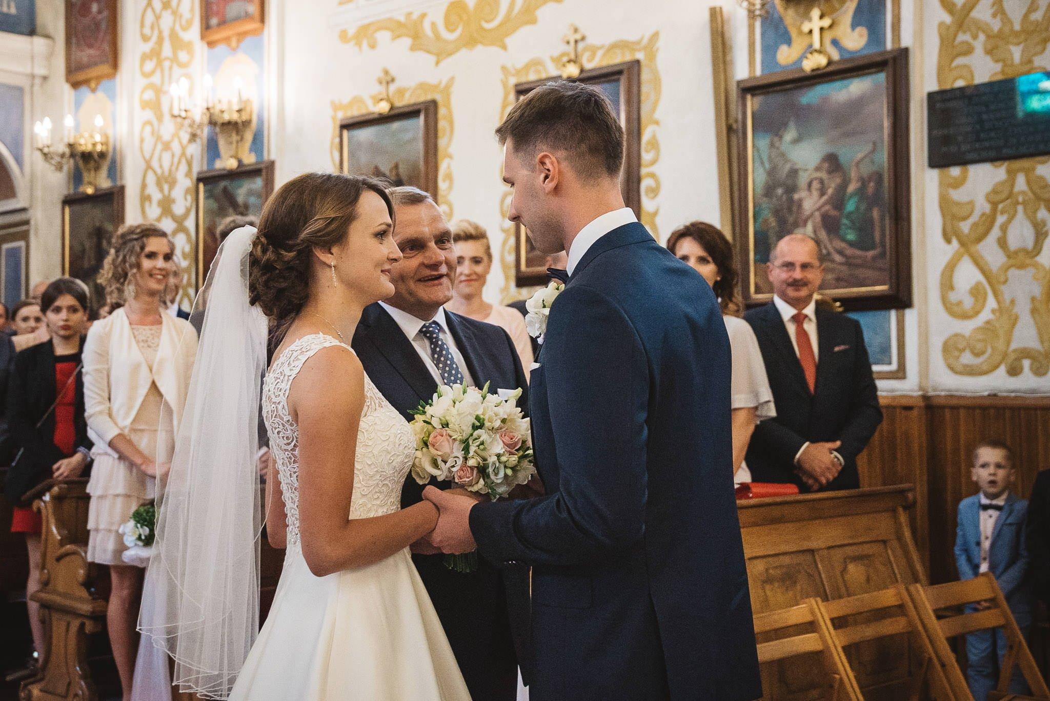 Monika i Michał, wesele w Paryżu i sesja plenerowa w stadninie koni w Czołowie 102