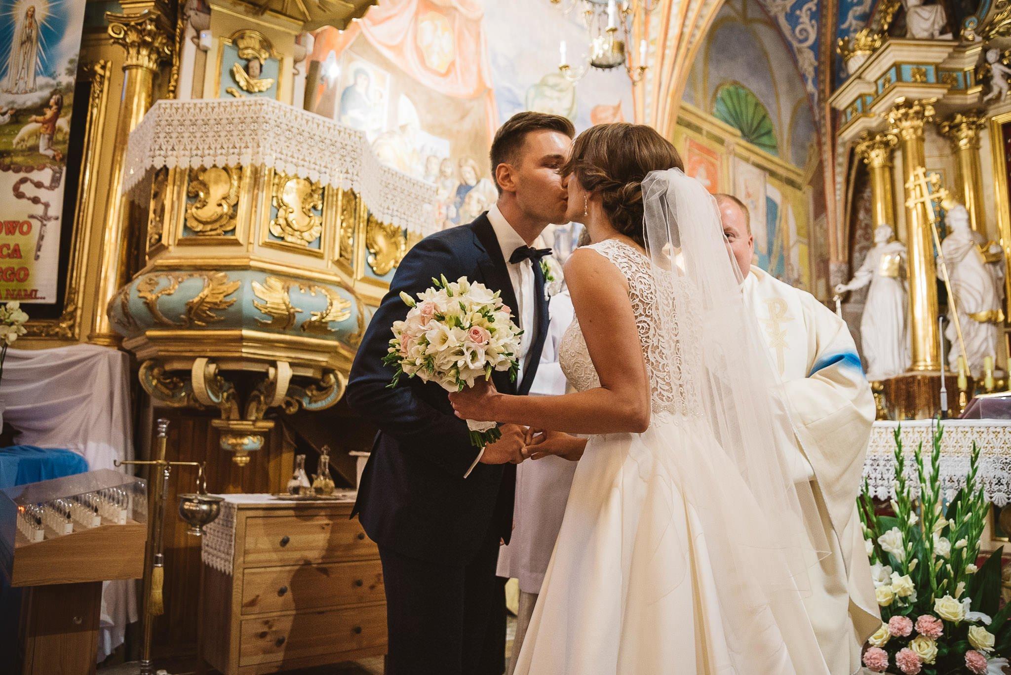 Monika i Michał, wesele w Paryżu i sesja plenerowa w stadninie koni w Czołowie 126