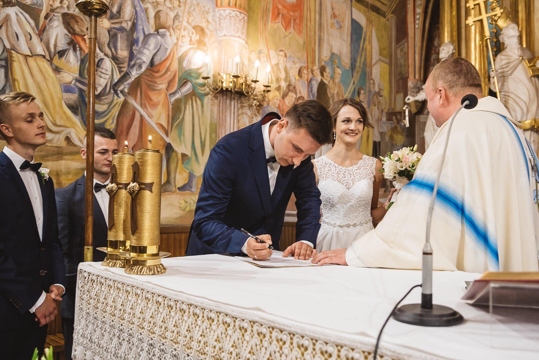 Monika i Michał, wesele w Paryżu i sesja plenerowa w stadninie koni w Czołowie 140