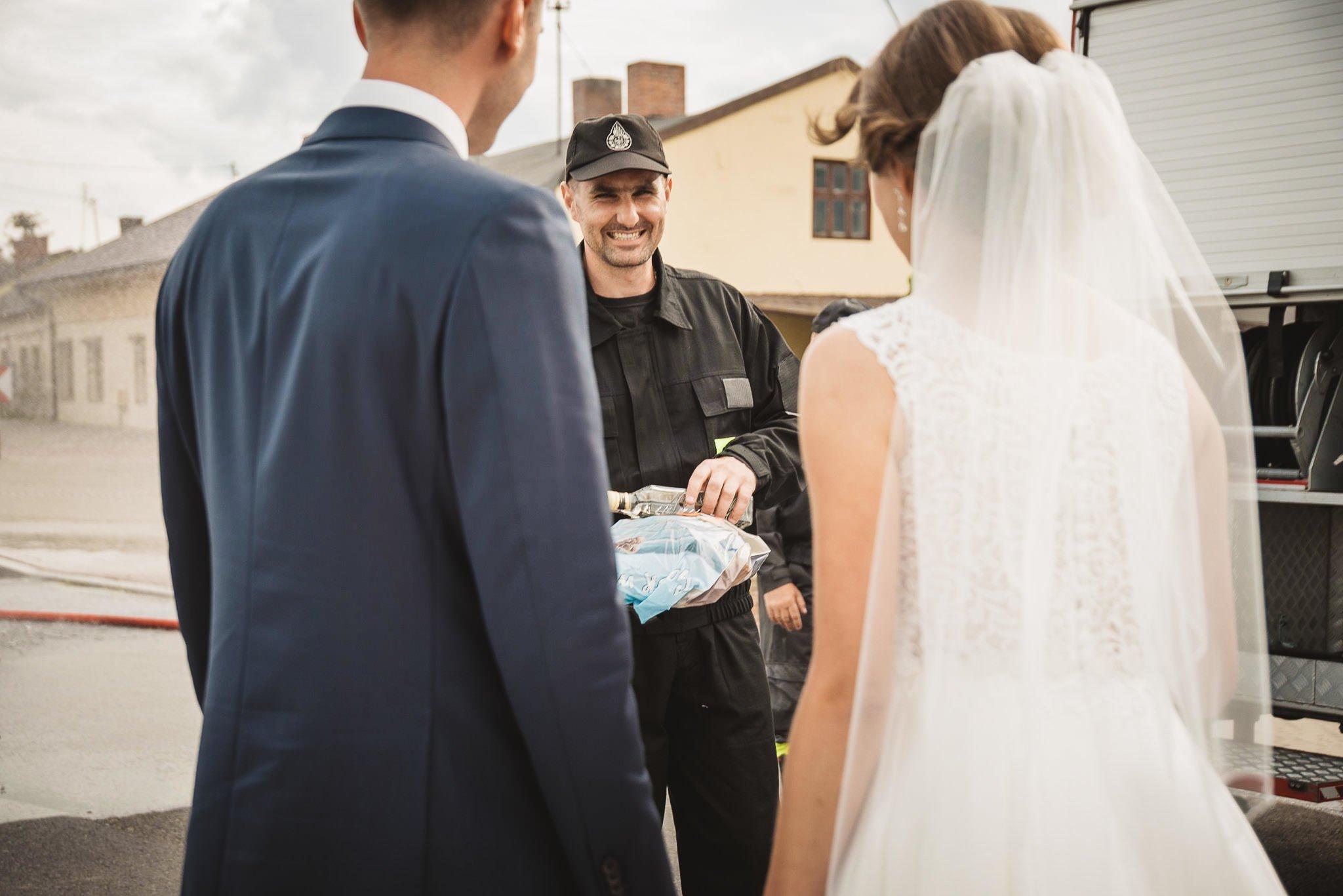 Monika i Michał, wesele w Paryżu i sesja plenerowa w stadninie koni w Czołowie 156