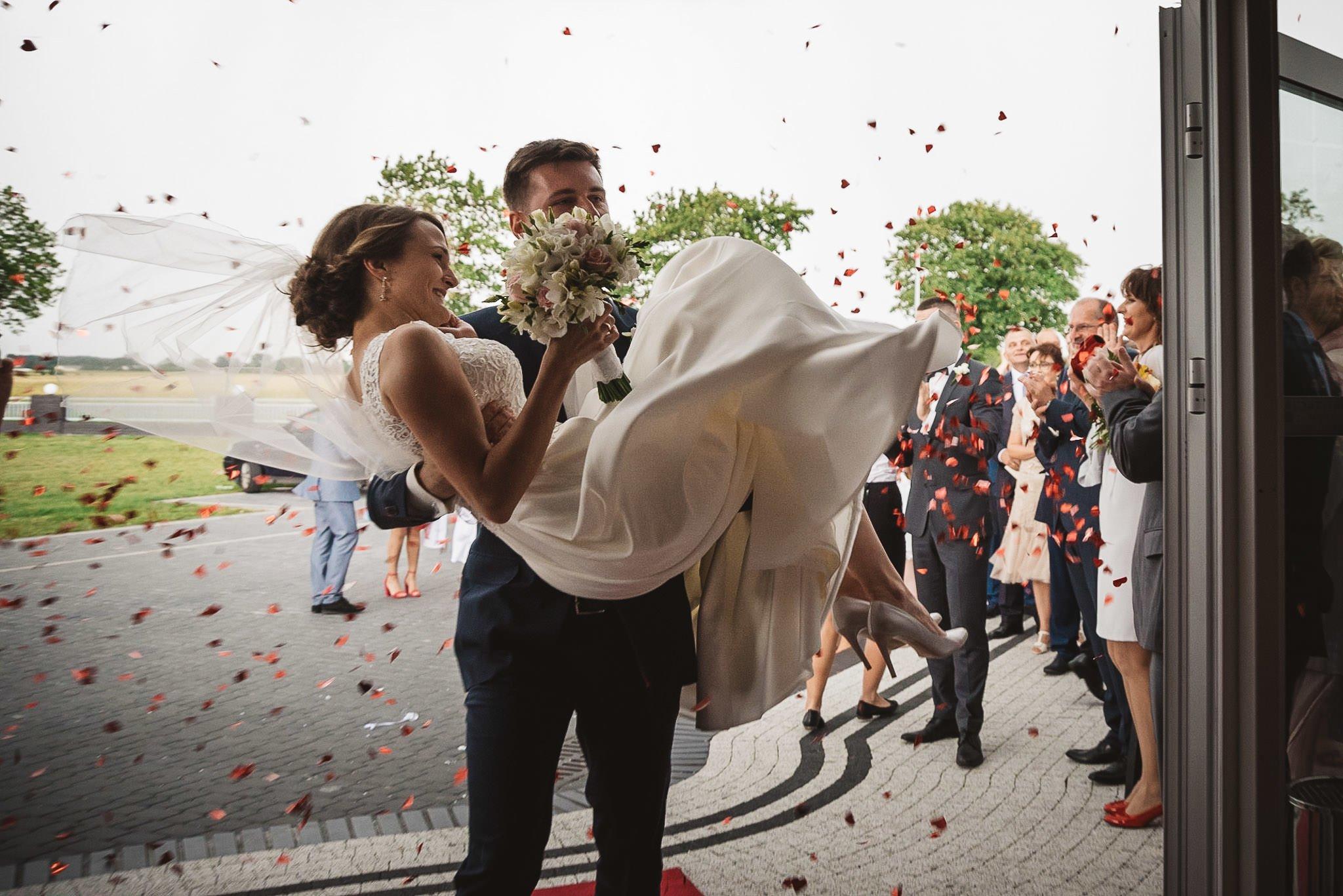 Monika i Michał, wesele w Paryżu i sesja plenerowa w stadninie koni w Czołowie 164