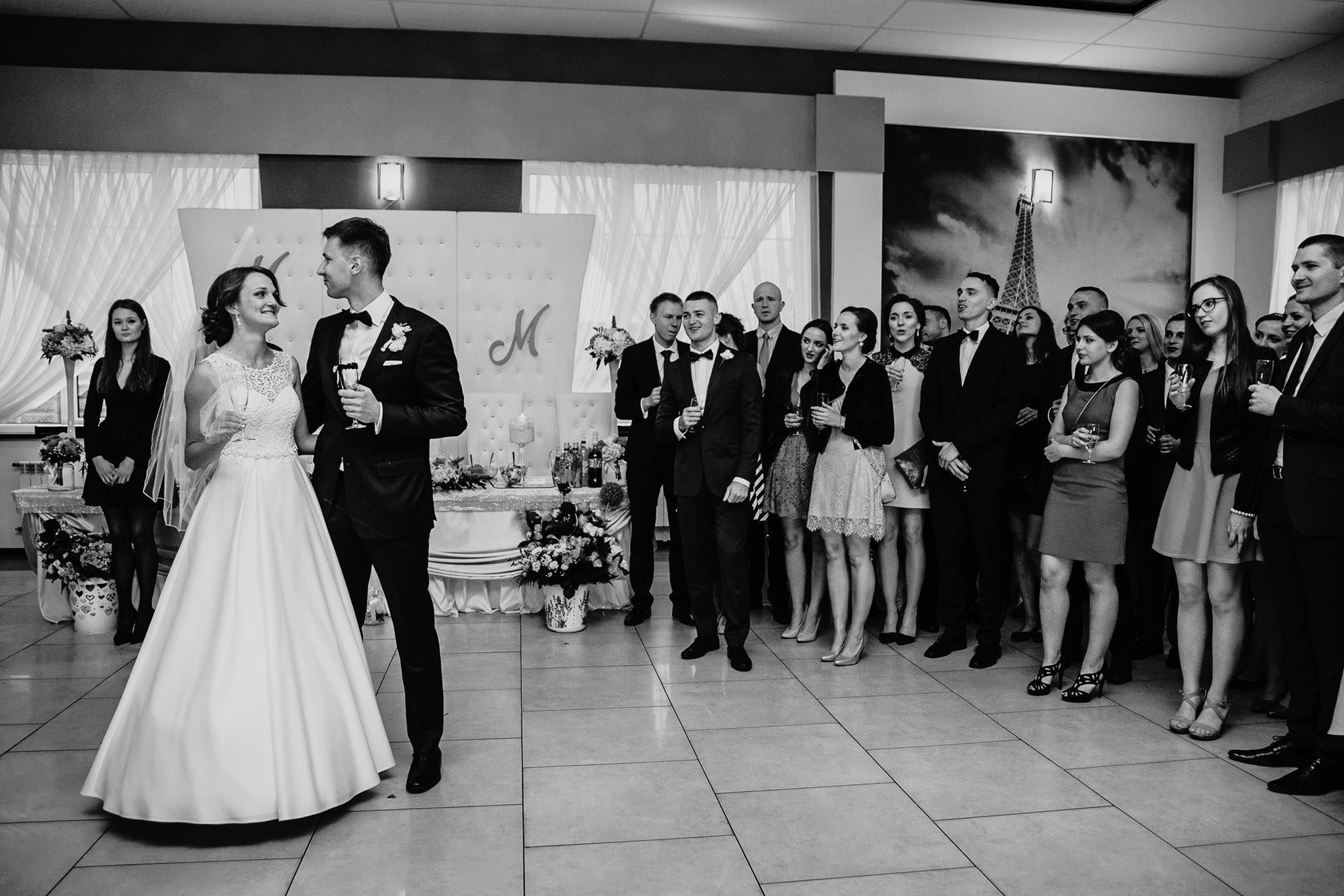 Monika i Michał, wesele w Paryżu i sesja plenerowa w stadninie koni w Czołowie 178