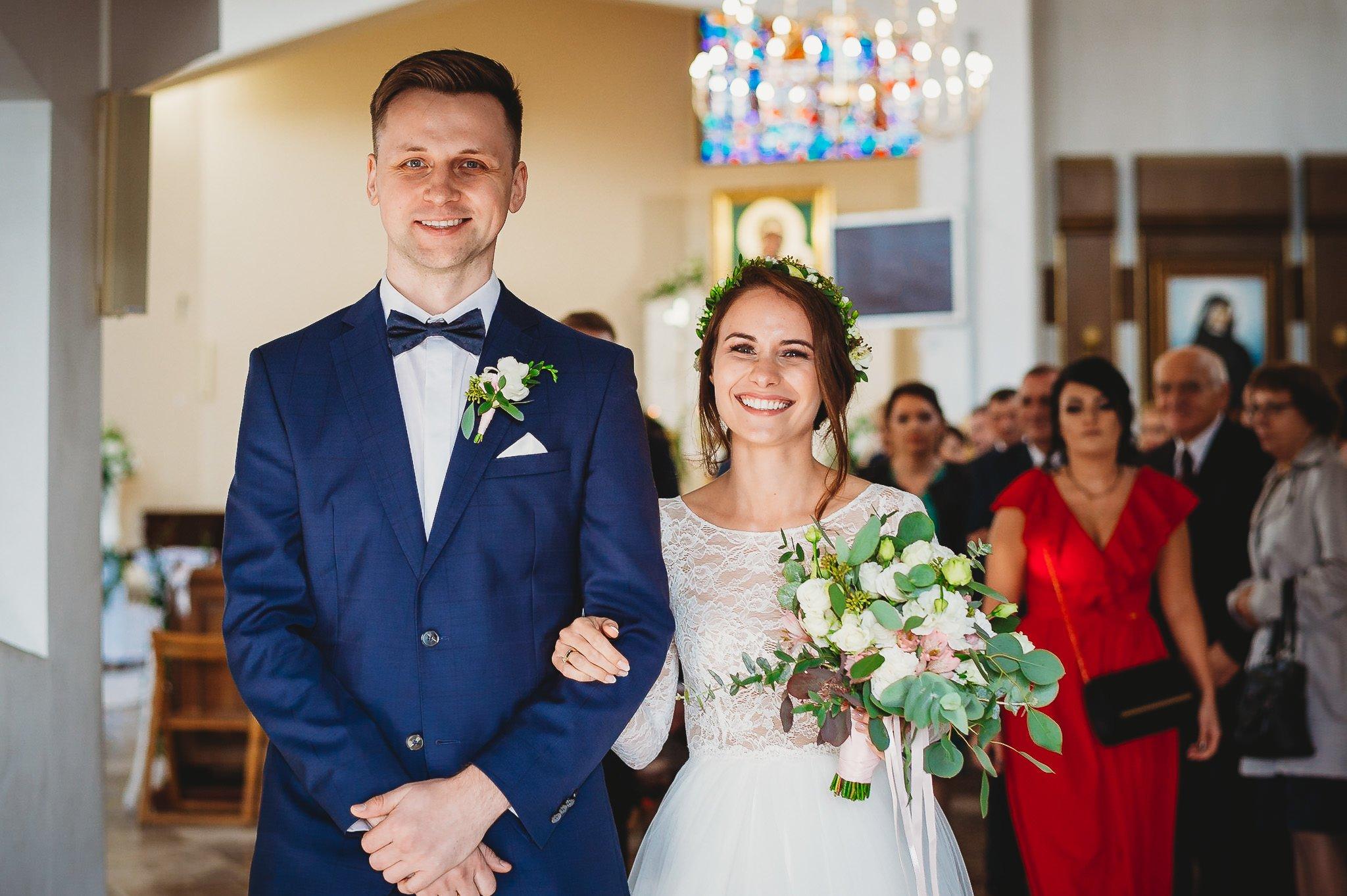 Fantastyczny ślub w stylu rustykalnym, wesele w Kapitańskiej  fotograf ślubny Konin 155