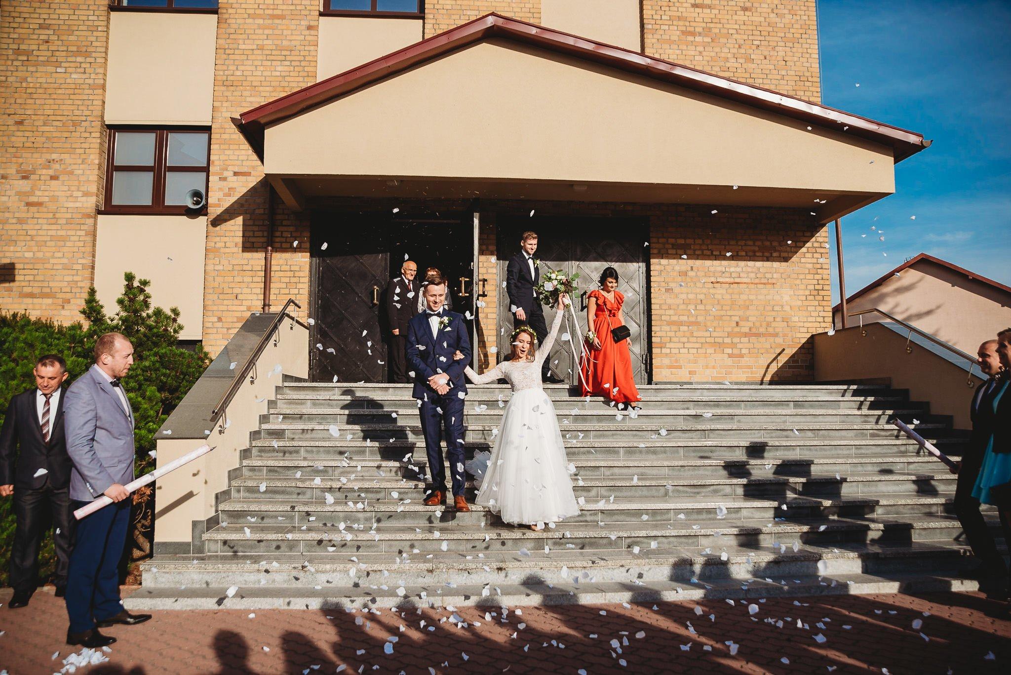 Fantastyczny ślub w stylu rustykalnym, wesele w Kapitańskiej  fotograf ślubny Konin 159
