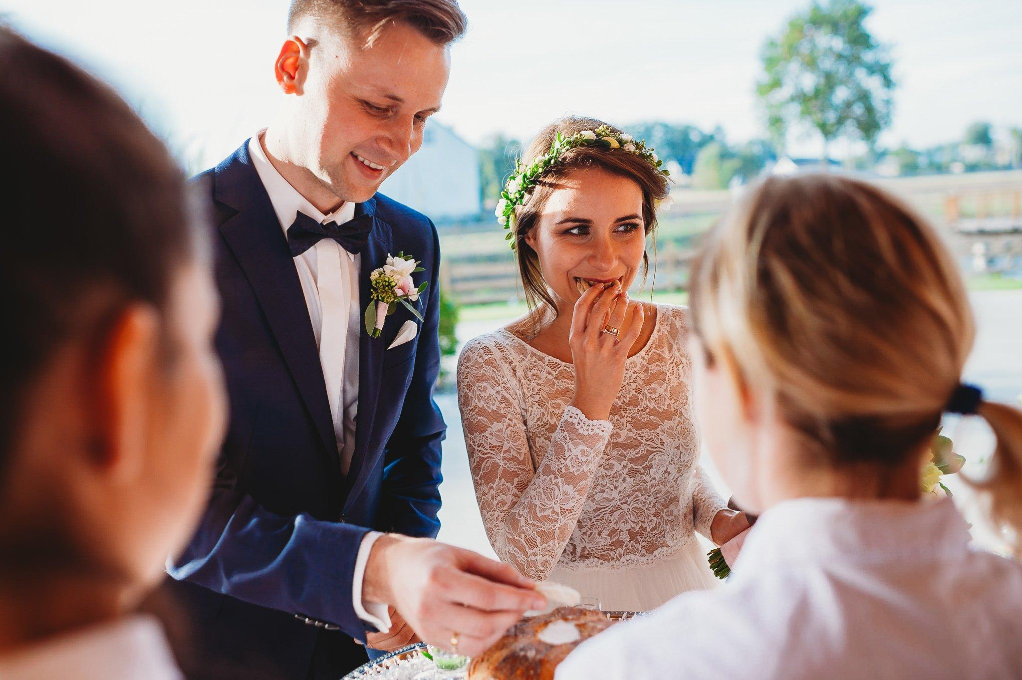 Fantastyczny ślub w stylu rustykalnym, wesele w Kapitańskiej  fotograf ślubny Konin 189