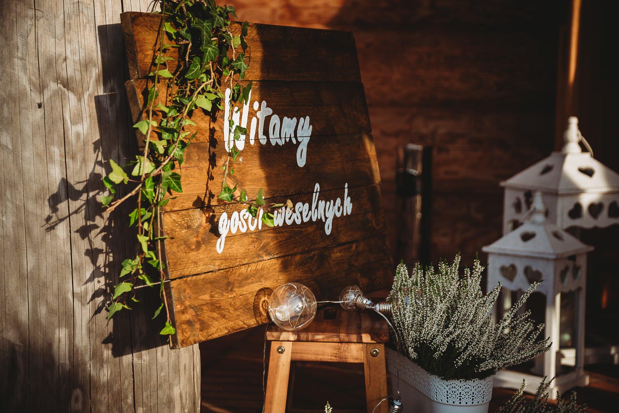 Fantastyczny ślub w stylu rustykalnym, wesele w Kapitańskiej  fotograf ślubny Konin 203