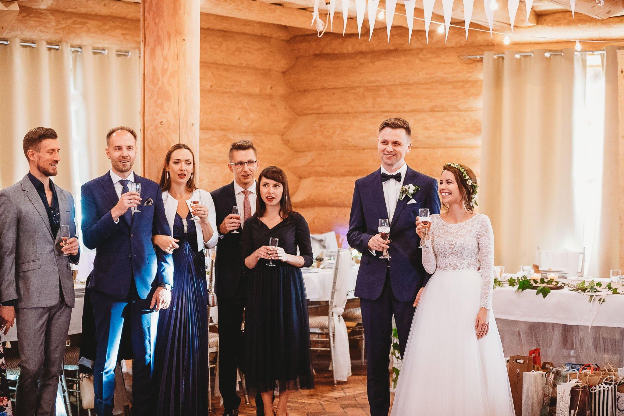 Fantastyczny ślub w stylu rustykalnym, wesele w Kapitańskiej  fotograf ślubny Konin 221