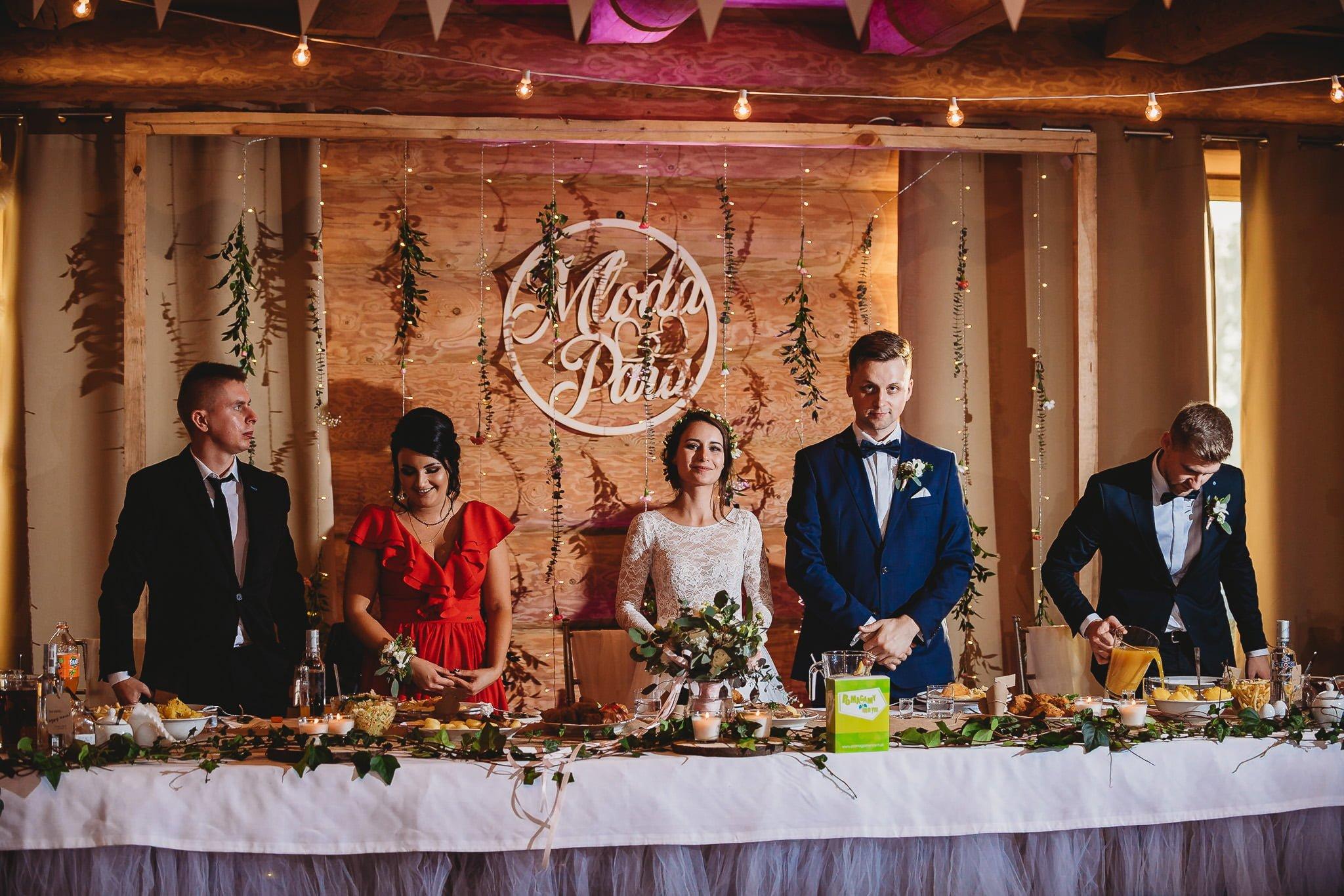 Fantastyczny ślub w stylu rustykalnym, wesele w Kapitańskiej  fotograf ślubny Konin 227