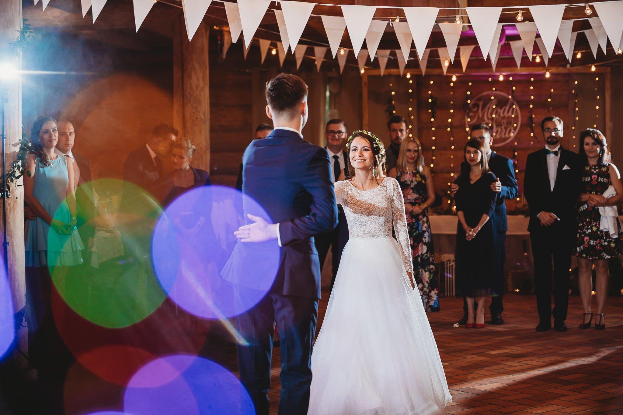 Fantastyczny ślub w stylu rustykalnym, wesele w Kapitańskiej  fotograf ślubny Konin 243