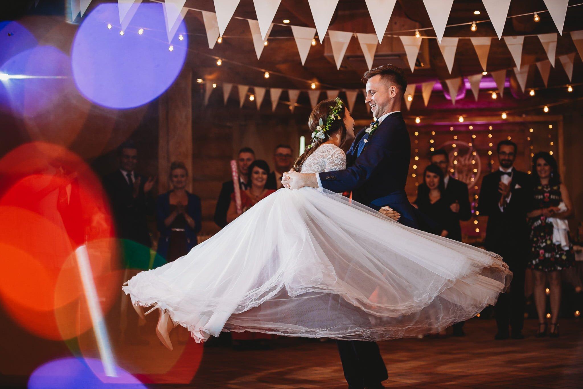 Fantastyczny ślub w stylu rustykalnym, wesele w Kapitańskiej  fotograf ślubny Konin 247