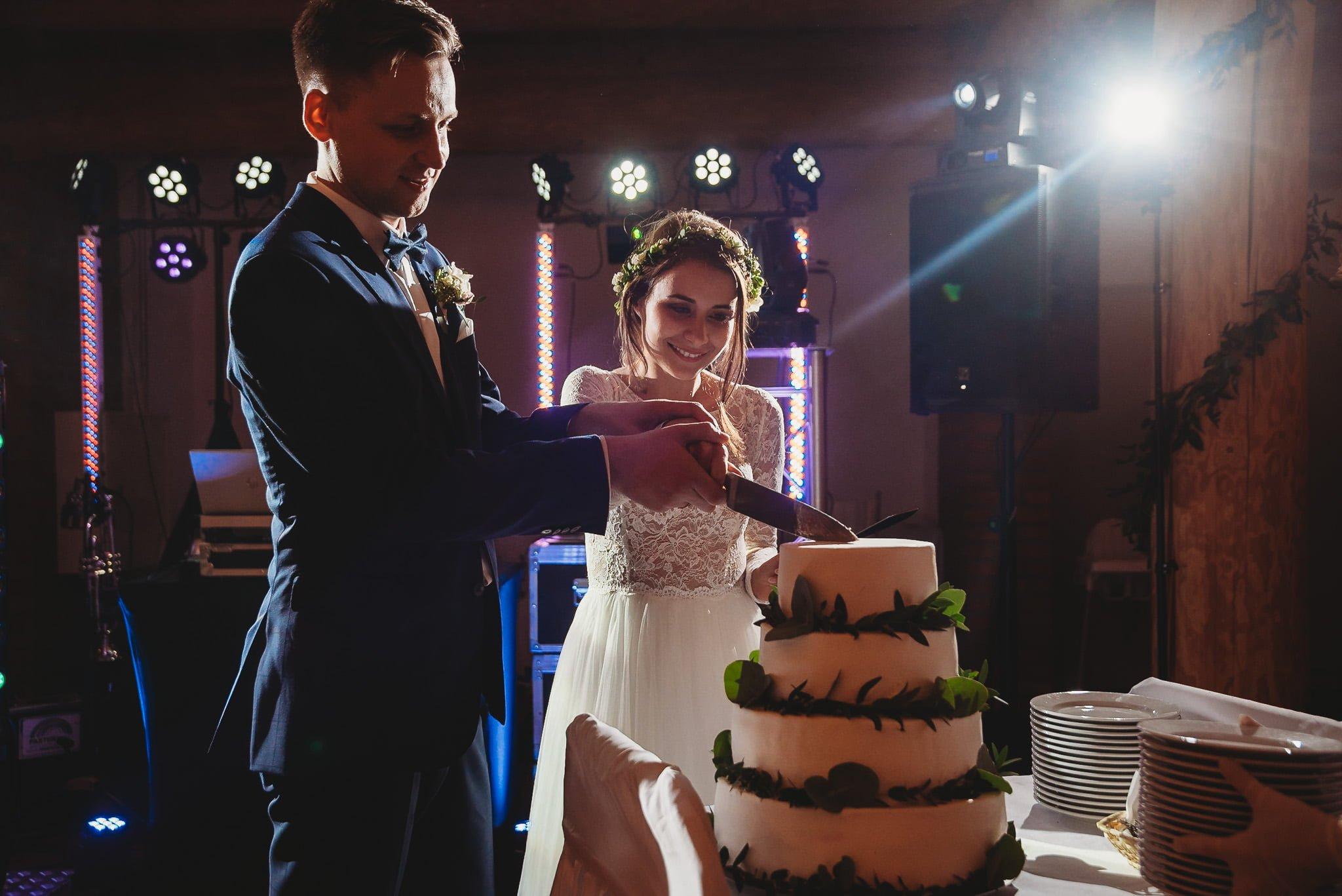 Fantastyczny ślub w stylu rustykalnym, wesele w Kapitańskiej  fotograf ślubny Konin 280