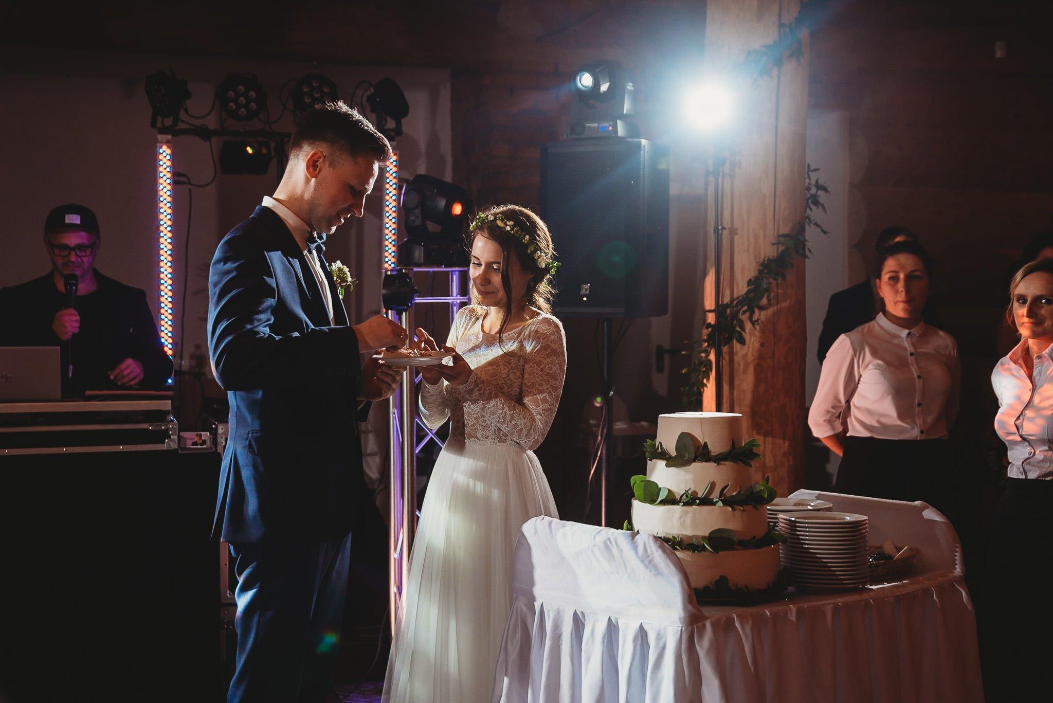 Fantastyczny ślub w stylu rustykalnym, wesele w Kapitańskiej  fotograf ślubny Konin 282
