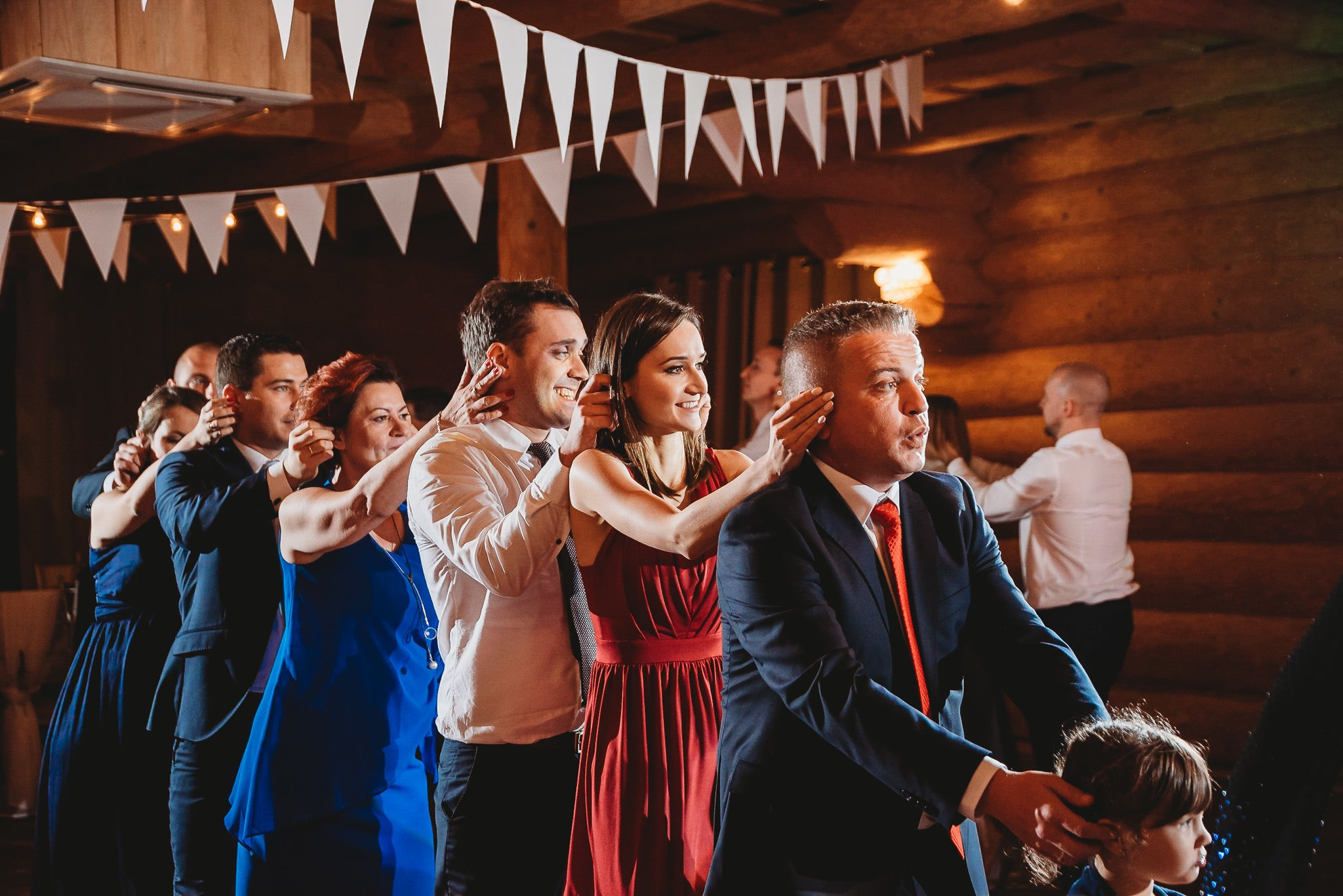 Fantastyczny ślub w stylu rustykalnym, wesele w Kapitańskiej  fotograf ślubny Konin 312