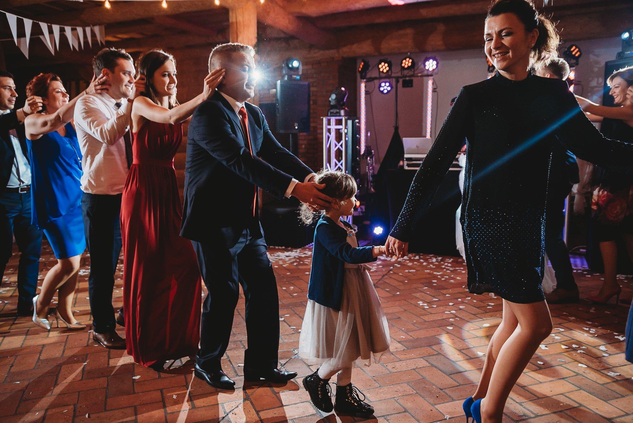 Fantastyczny ślub w stylu rustykalnym, wesele w Kapitańskiej  fotograf ślubny Konin 314