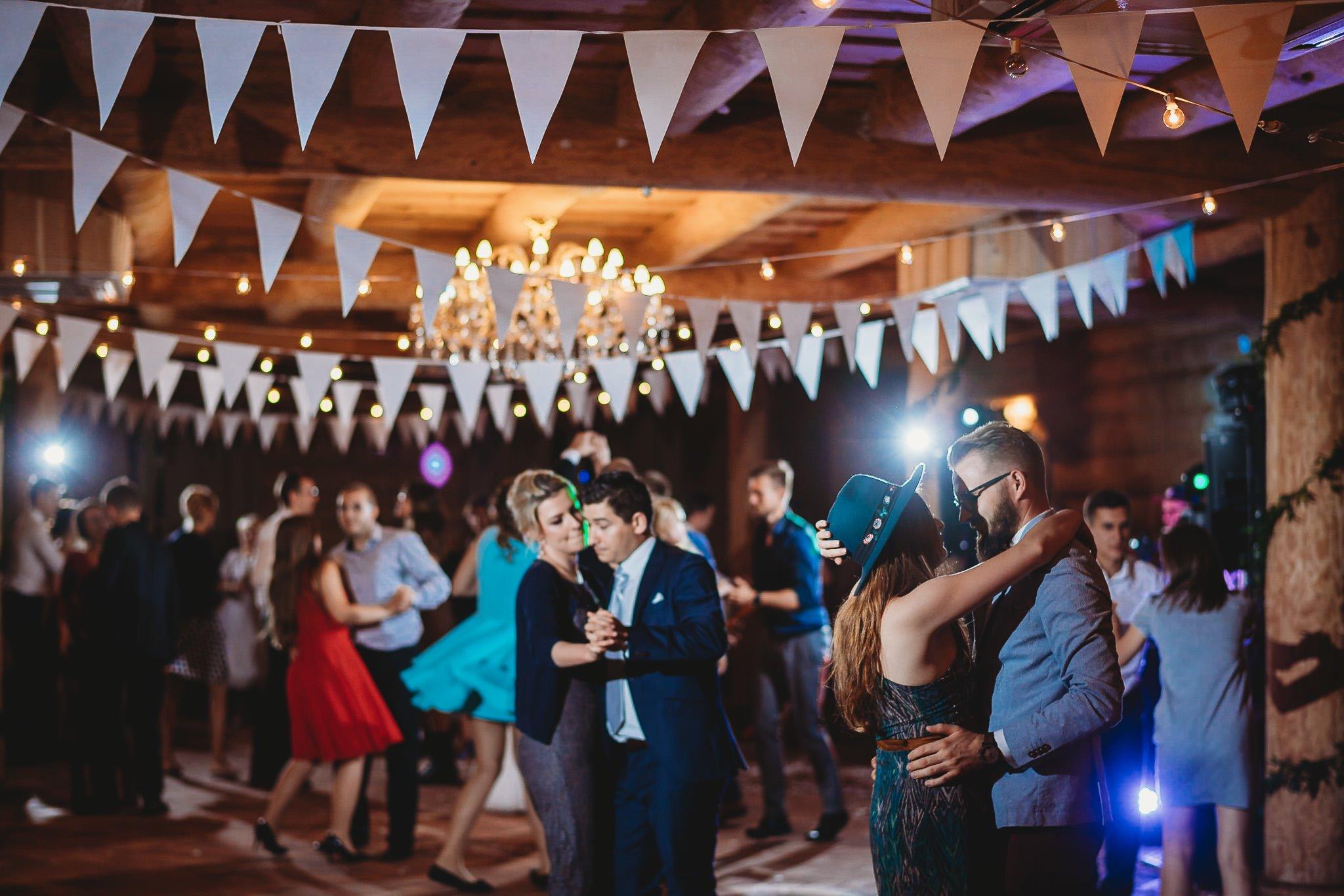 Fantastyczny ślub w stylu rustykalnym, wesele w Kapitańskiej  fotograf ślubny Konin 340