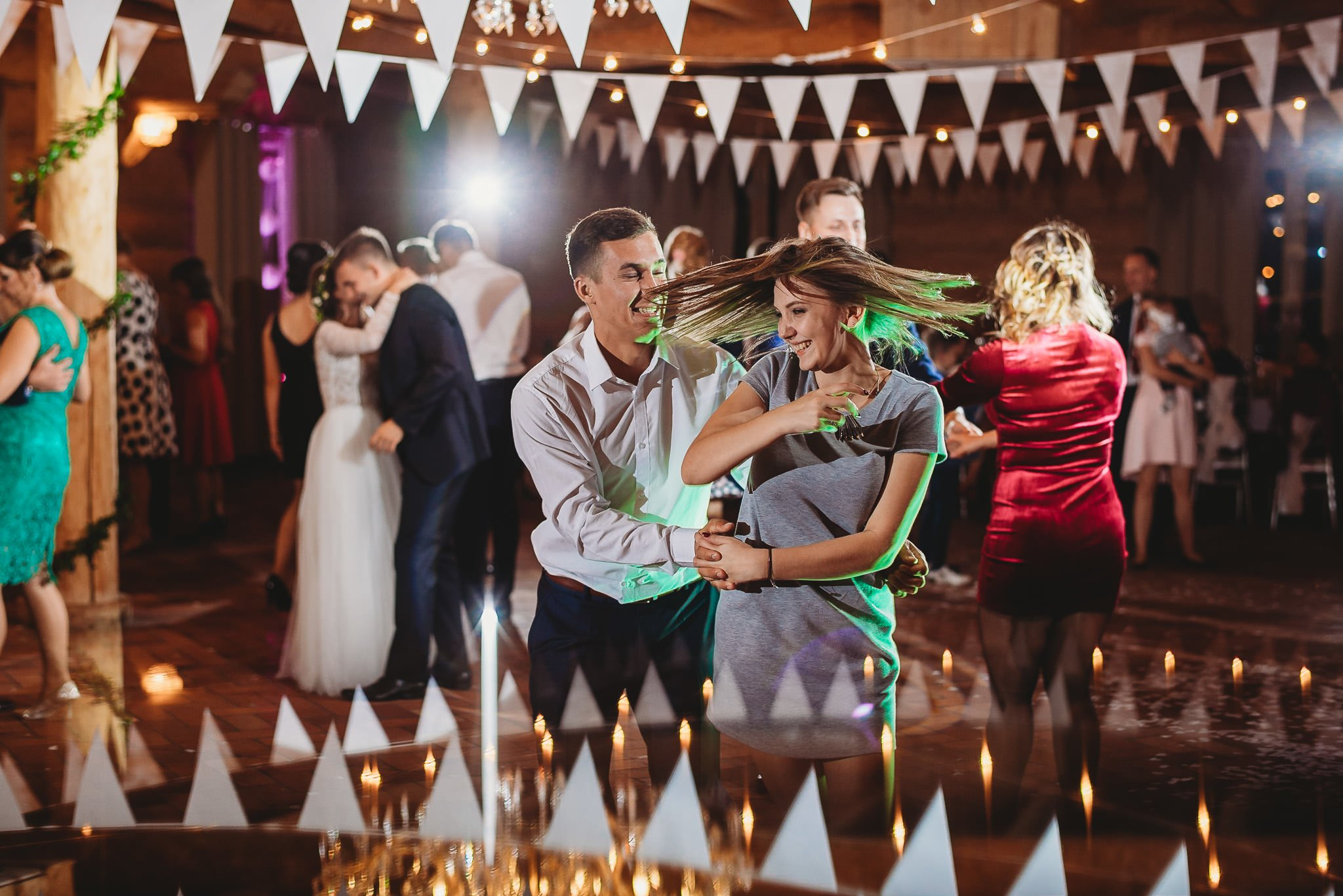 Fantastyczny ślub w stylu rustykalnym, wesele w Kapitańskiej  fotograf ślubny Konin 344