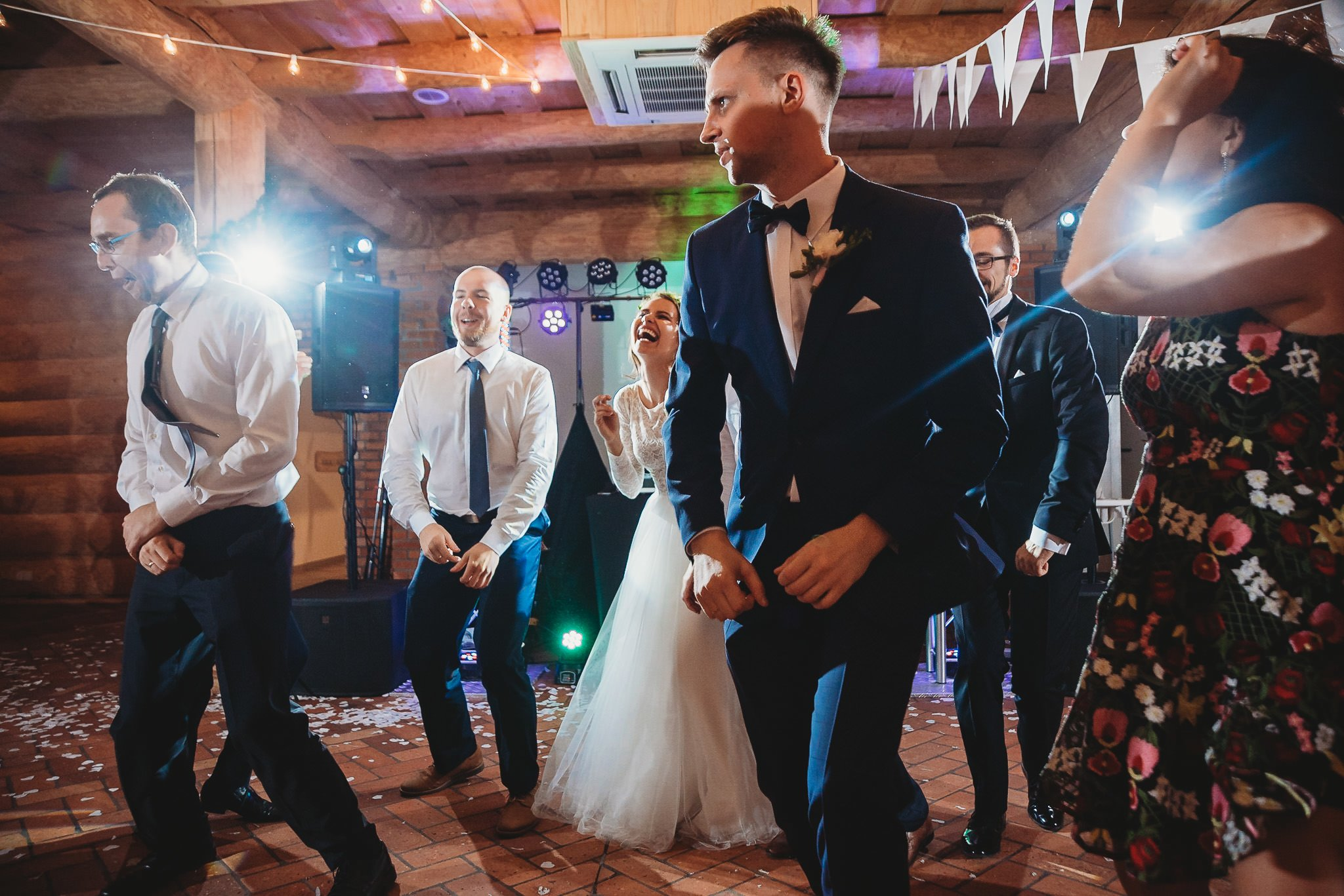 Fantastyczny ślub w stylu rustykalnym, wesele w Kapitańskiej  fotograf ślubny Konin 356