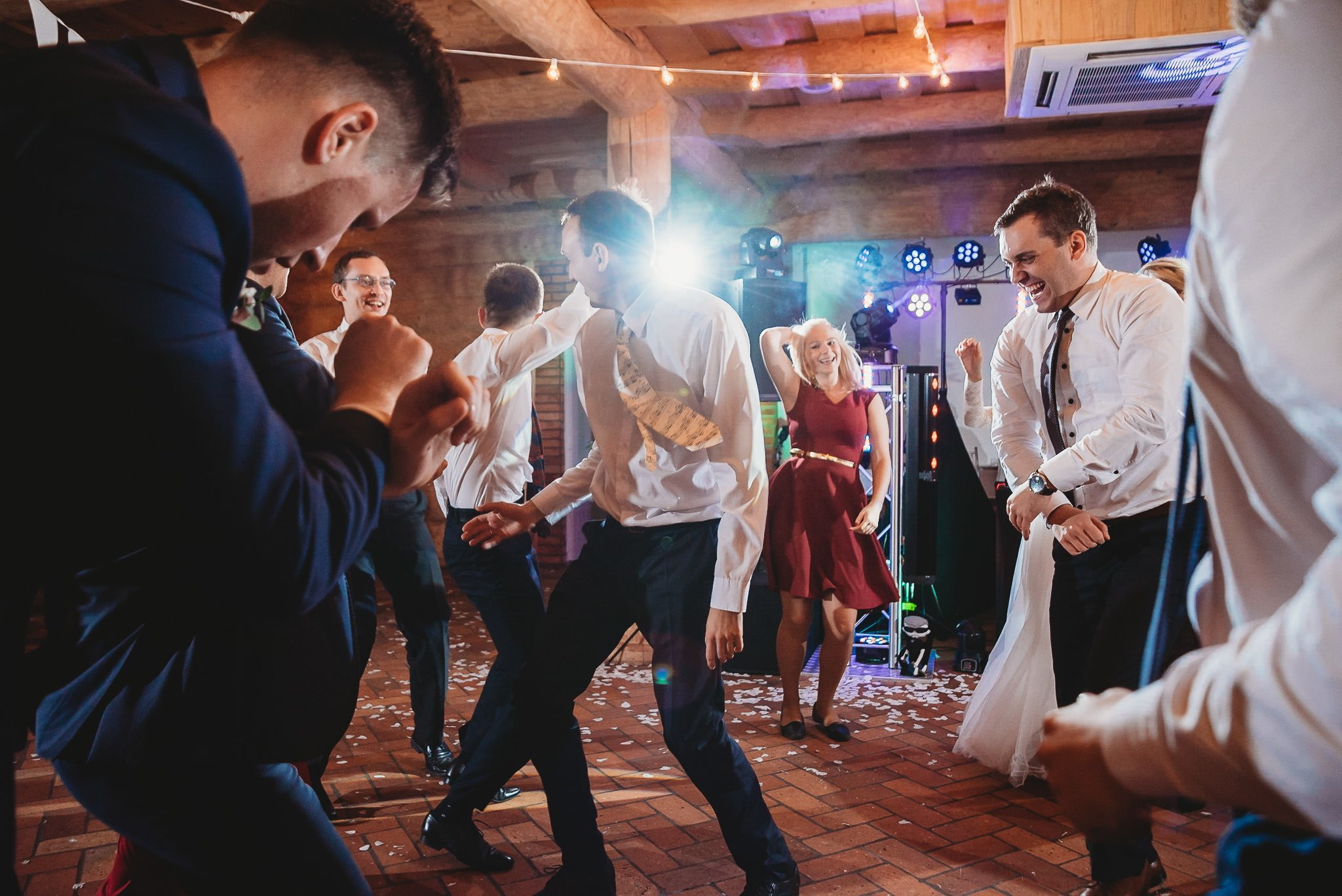 Fantastyczny ślub w stylu rustykalnym, wesele w Kapitańskiej  fotograf ślubny Konin 362