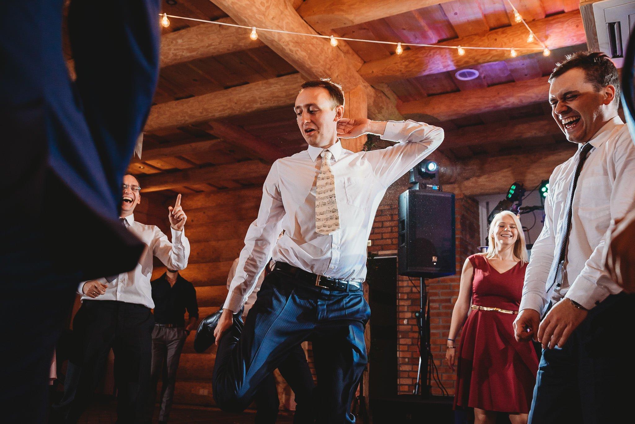 Fantastyczny ślub w stylu rustykalnym, wesele w Kapitańskiej  fotograf ślubny Konin 366