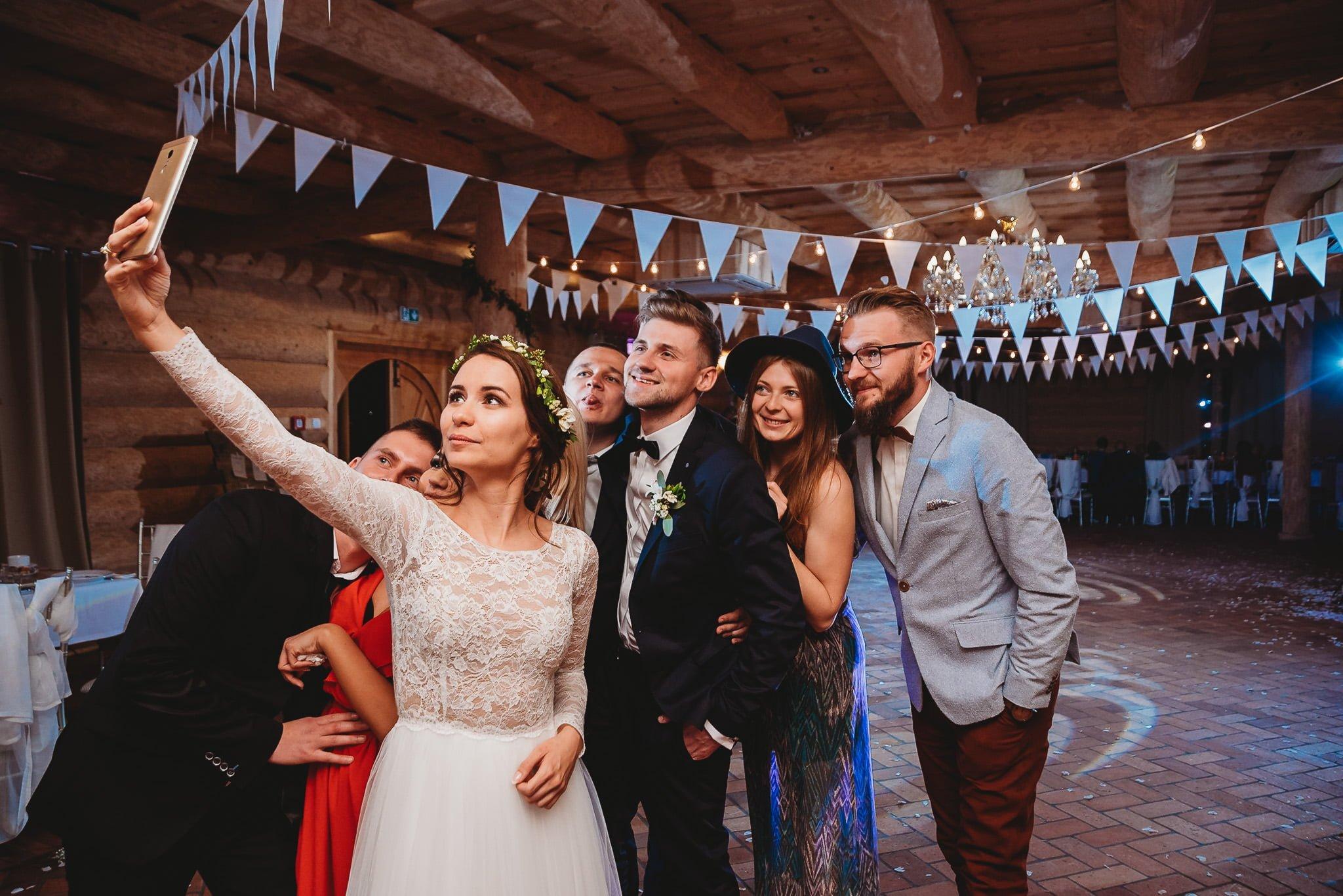 Fantastyczny ślub w stylu rustykalnym, wesele w Kapitańskiej  fotograf ślubny Konin 380